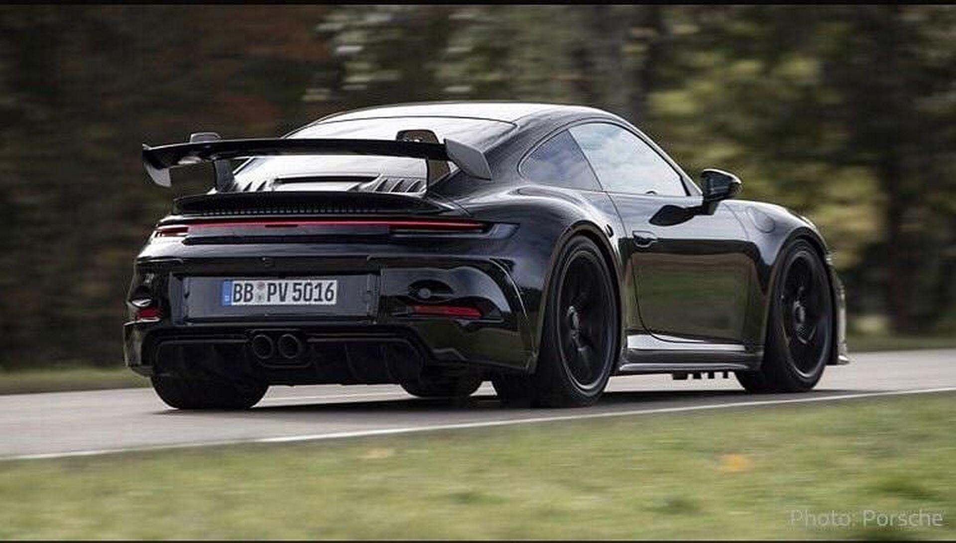 Porsche-911-GT3-10