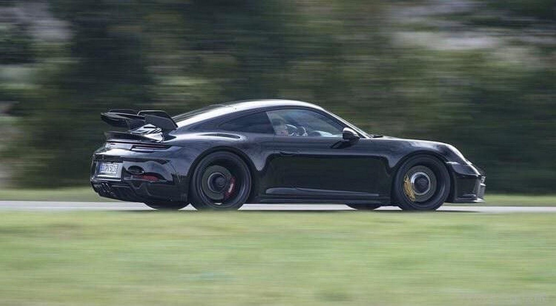 Porsche-911-GT3-8