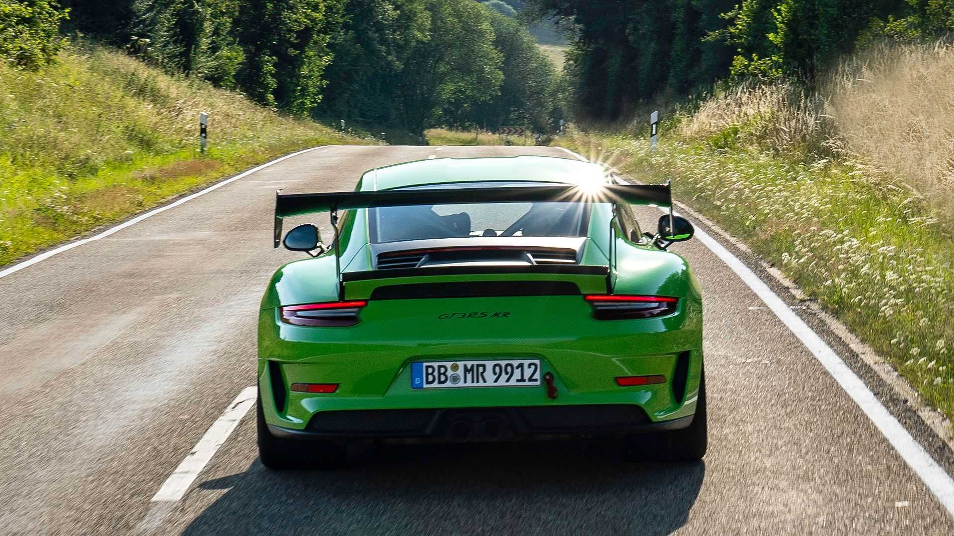 Porsche-911-GT3-RS-by-Manthey-Racing-4