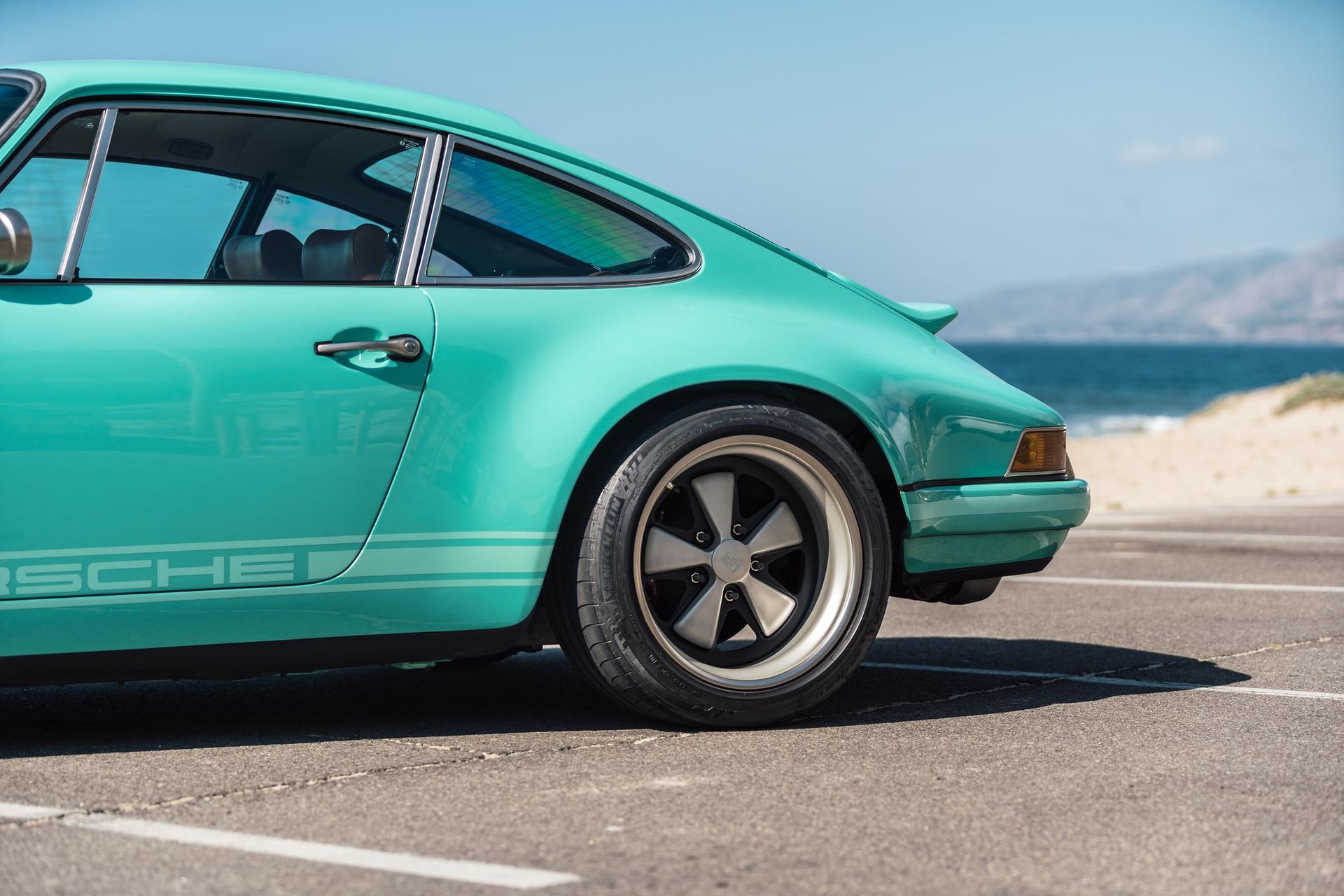 1991-Porsche-911-Malibu-Reimagined-by-Singer_19
