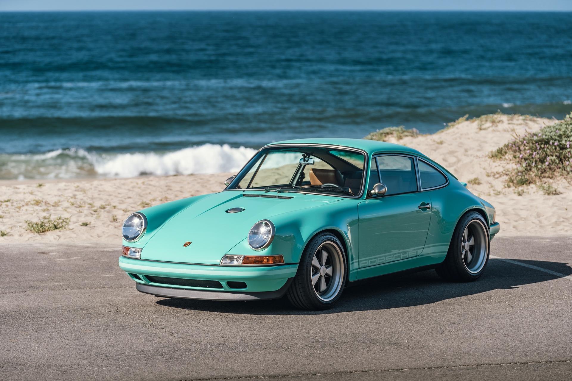 1991-Porsche-911-Malibu-Reimagined-by-Singer_22