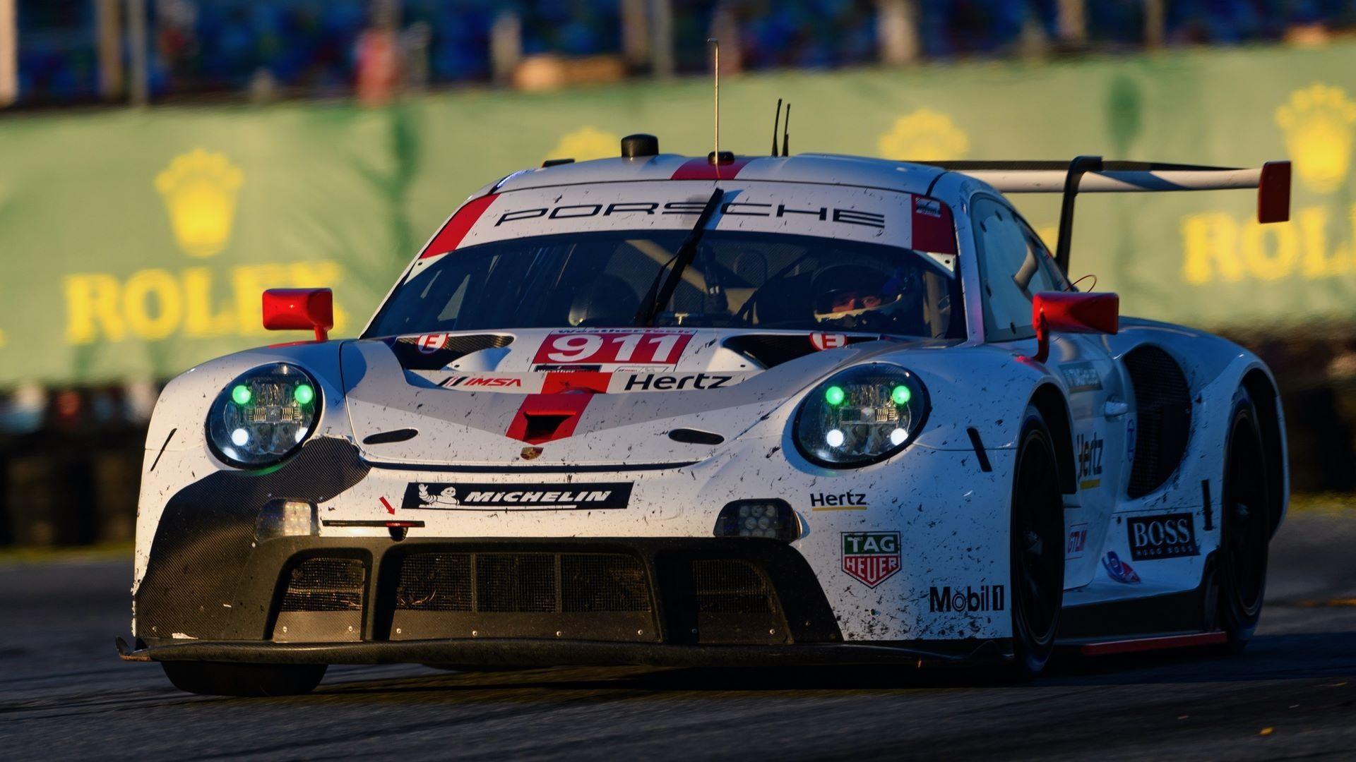 Porsche 911 RSR (911), Porsche GT Team: Nick Tandy (GB), Frederic Makowiecki (F), Matt Campbell (AUS)