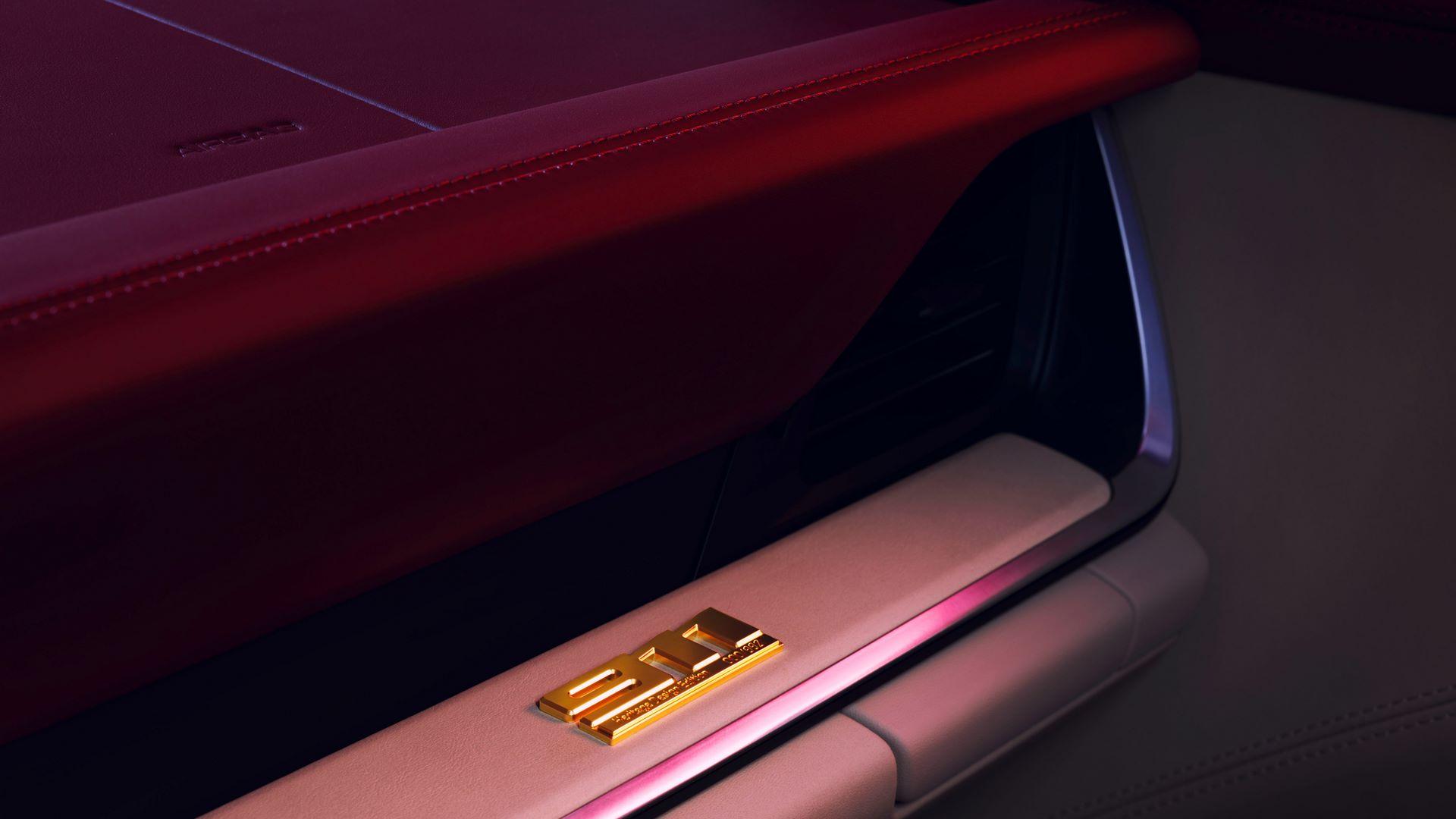Porsche-911-Targa-4S-Heritage-Design-Edition-12