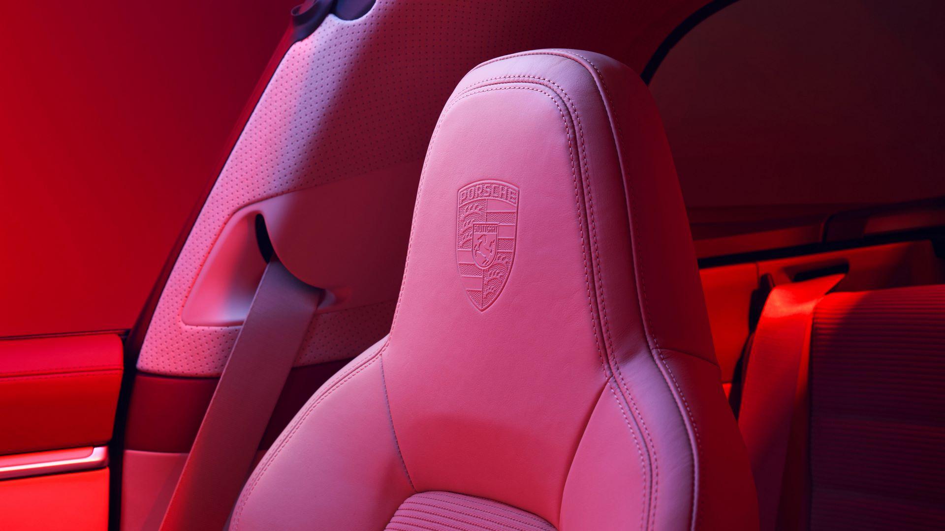 Porsche-911-Targa-4S-Heritage-Design-Edition-13