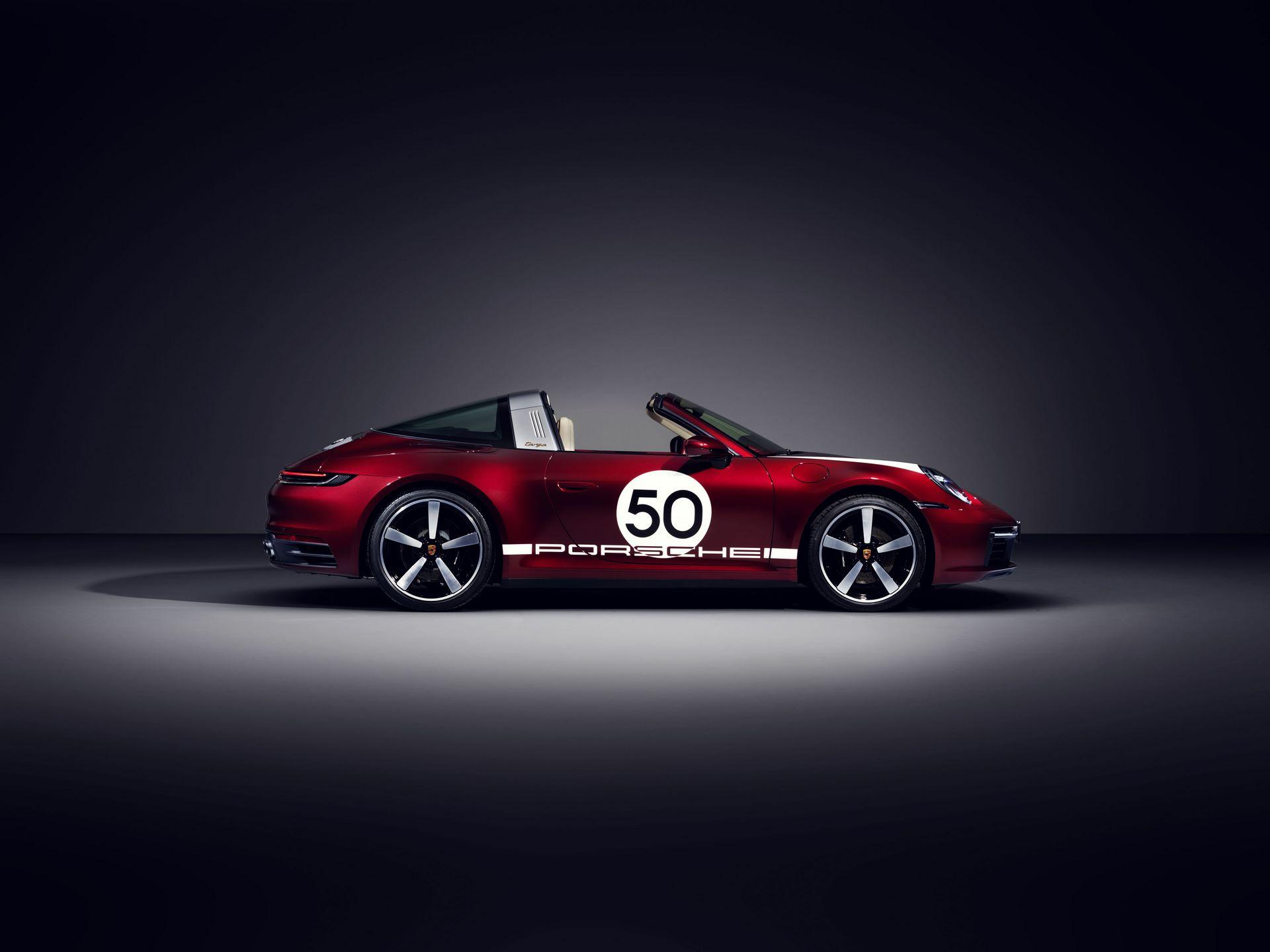 Porsche-911-Targa-4S-Heritage-Design-Edition-37