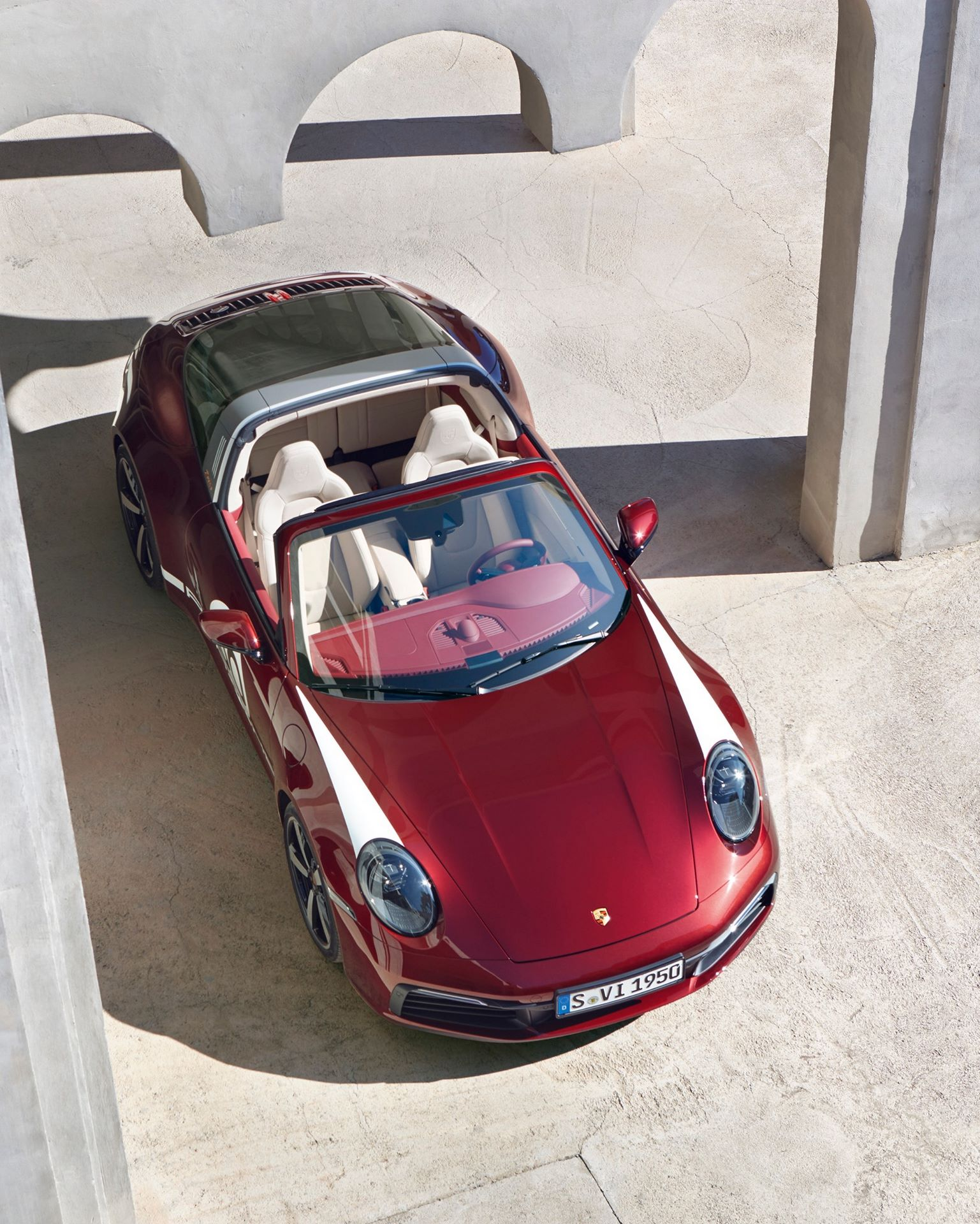 Porsche-911-Targa-4S-Heritage-Design-Edition-40-1