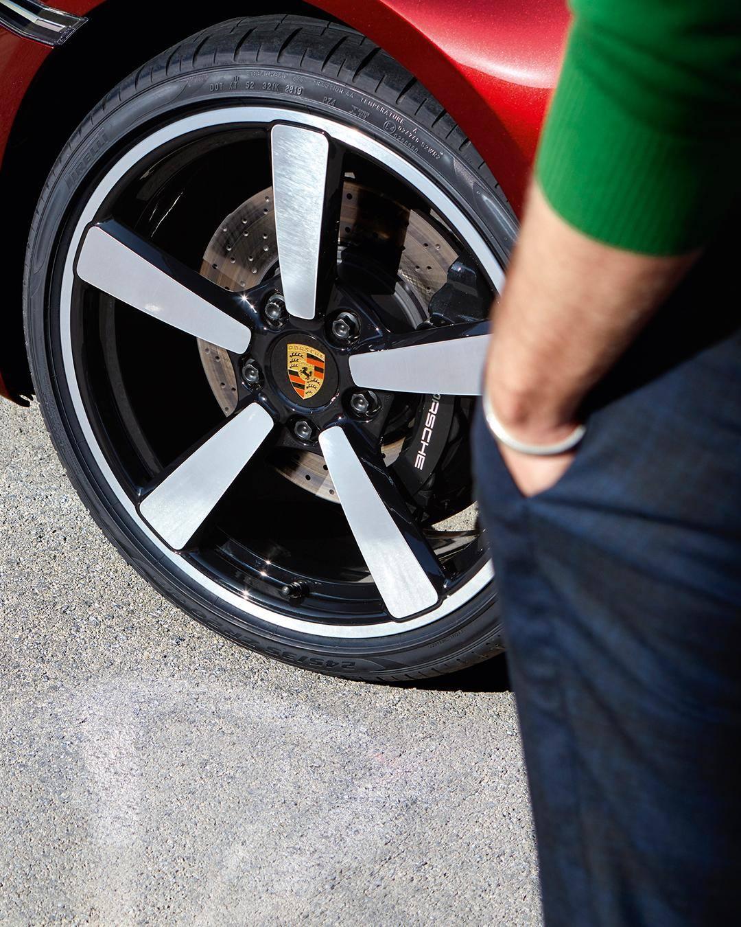 Porsche-911-Targa-4S-Heritage-Design-Edition-40-3