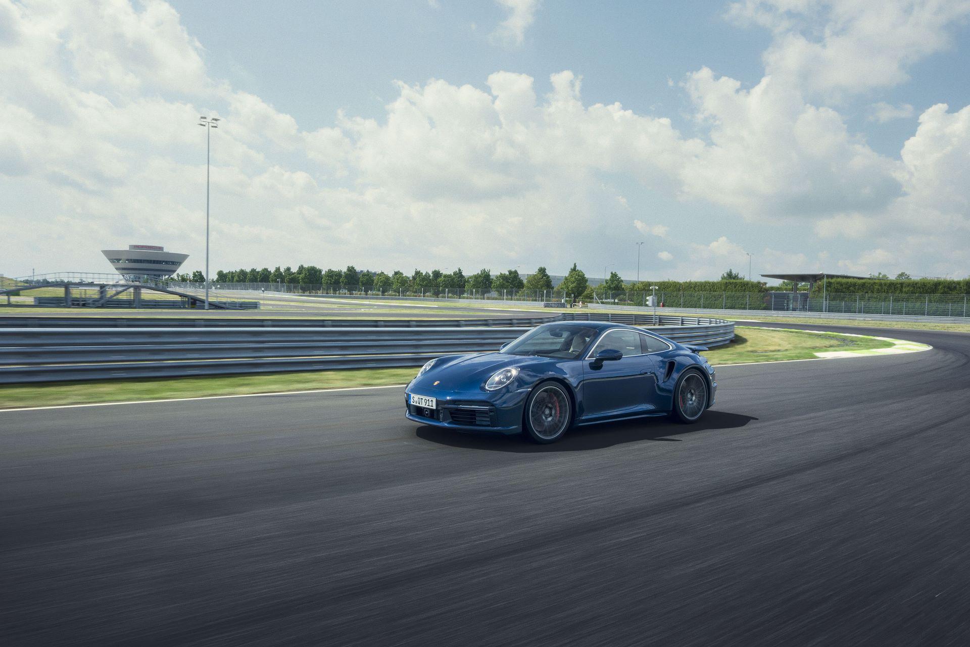 Porsche-911-Turbo-2020-12