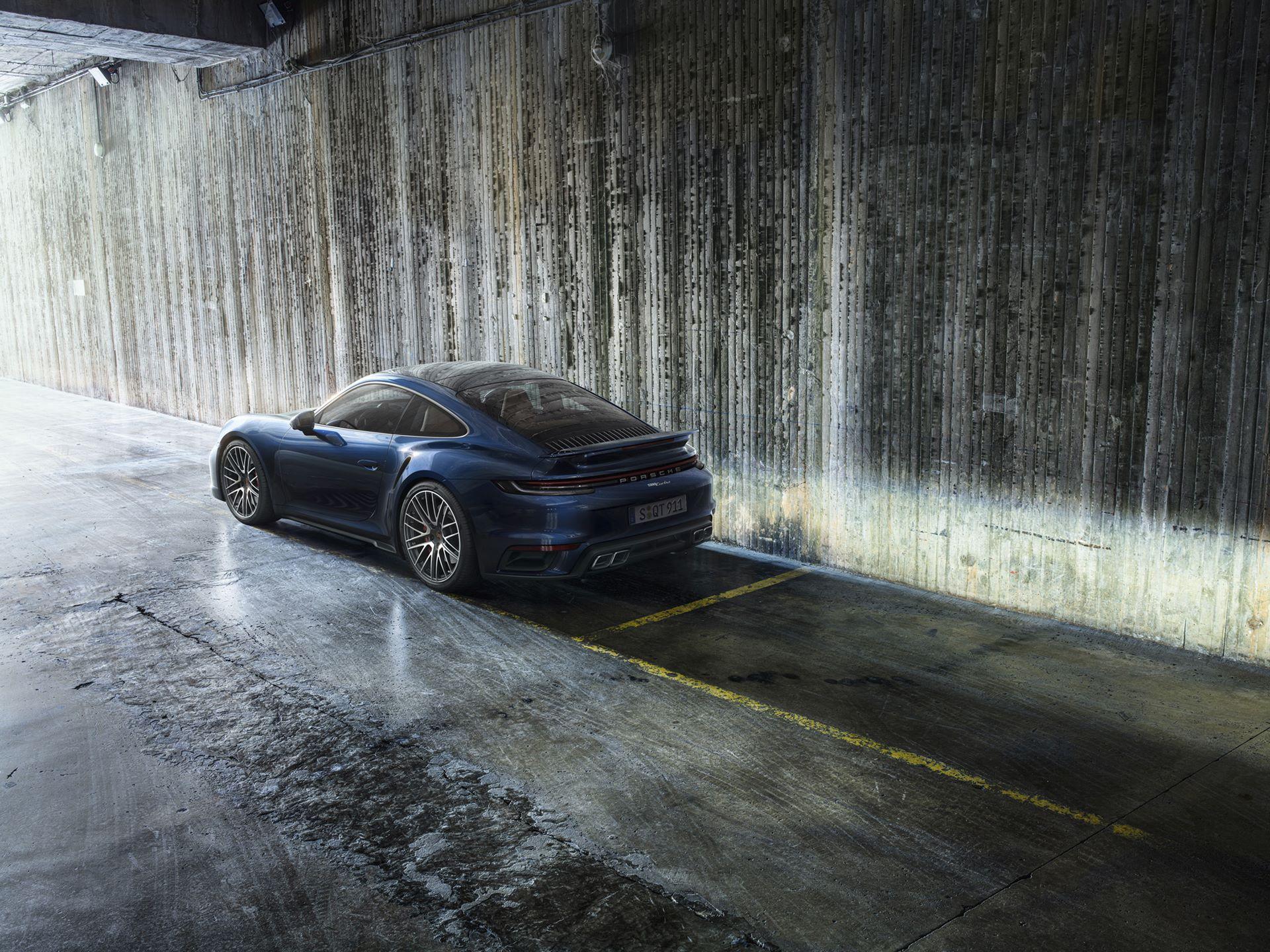 Porsche-911-Turbo-2020-2