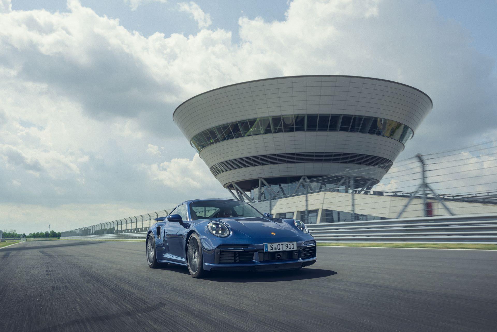 Porsche-911-Turbo-2020-4
