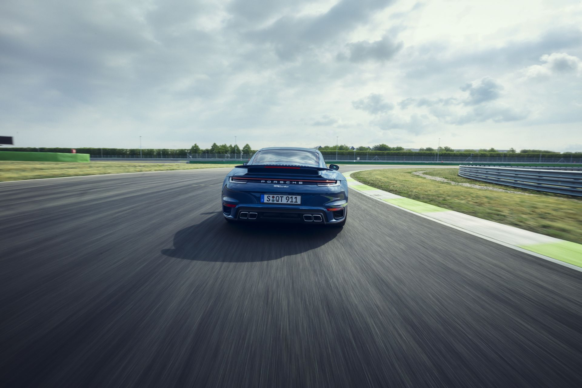 Porsche-911-Turbo-2020-5