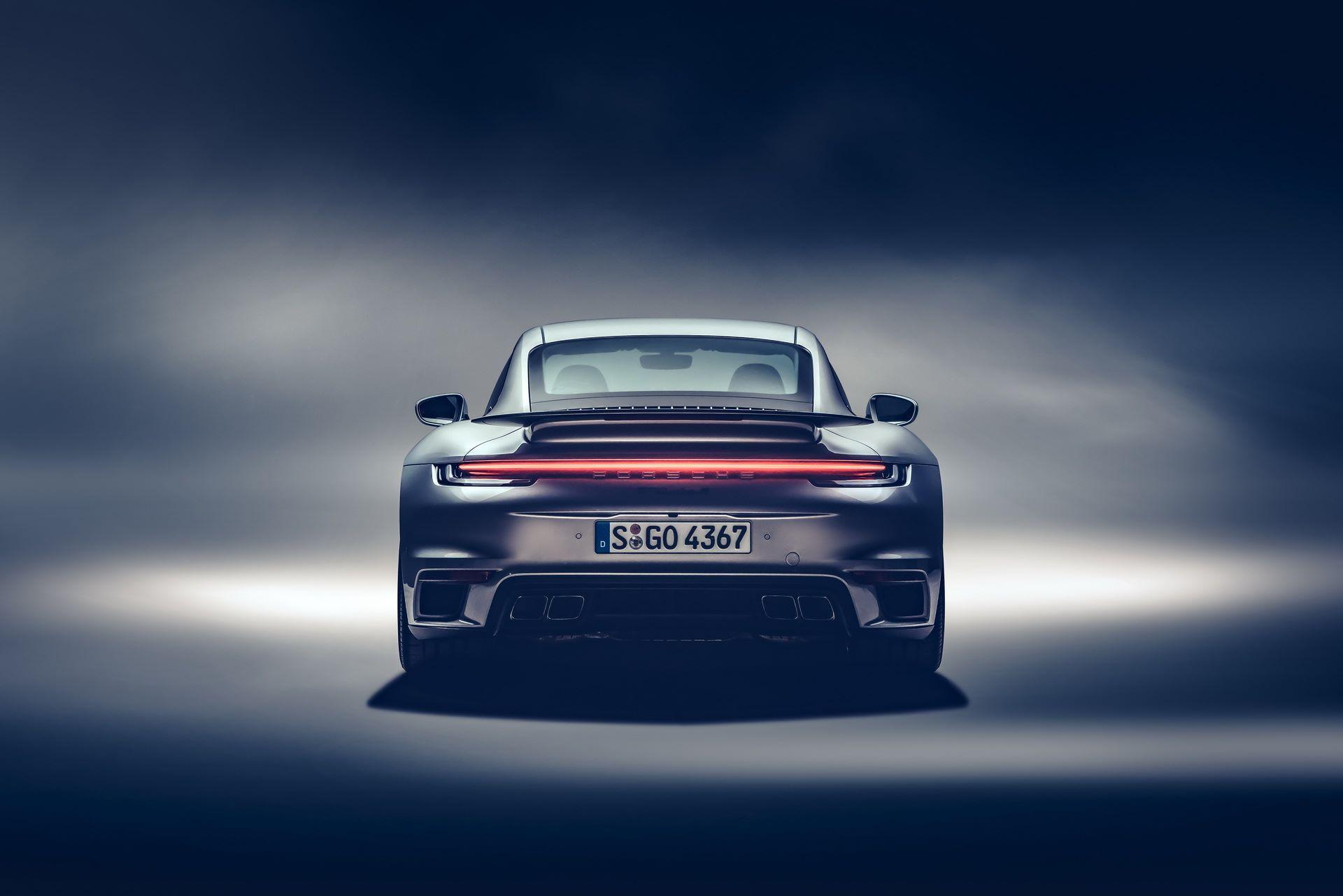 Porsche-911-Turbo-S-2020-15