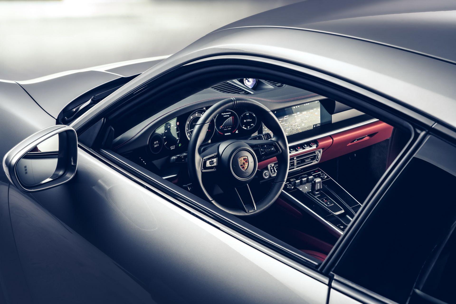 Porsche-911-Turbo-S-2020-19
