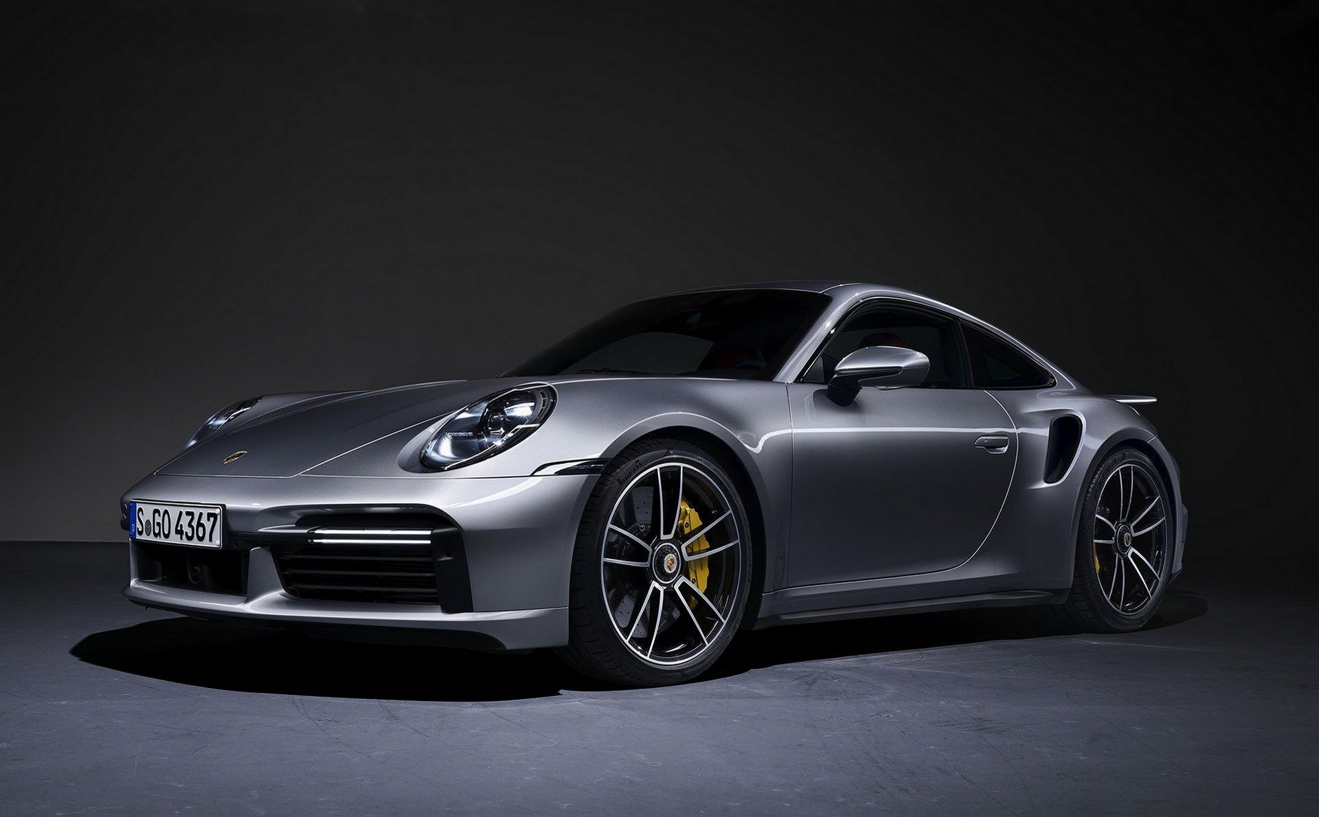 Porsche-911-Turbo-S-2020-20