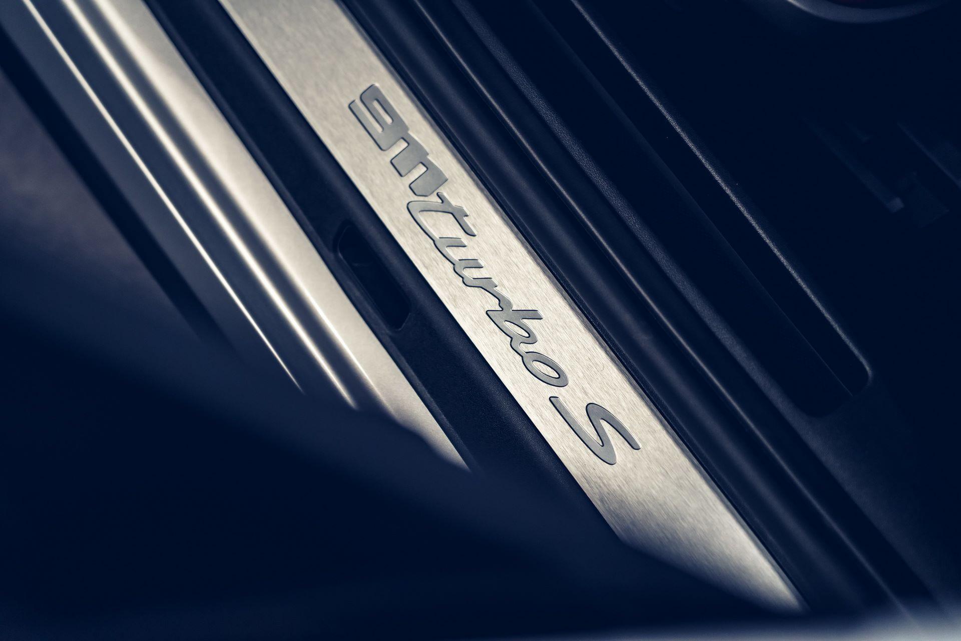 Porsche-911-Turbo-S-2020-24