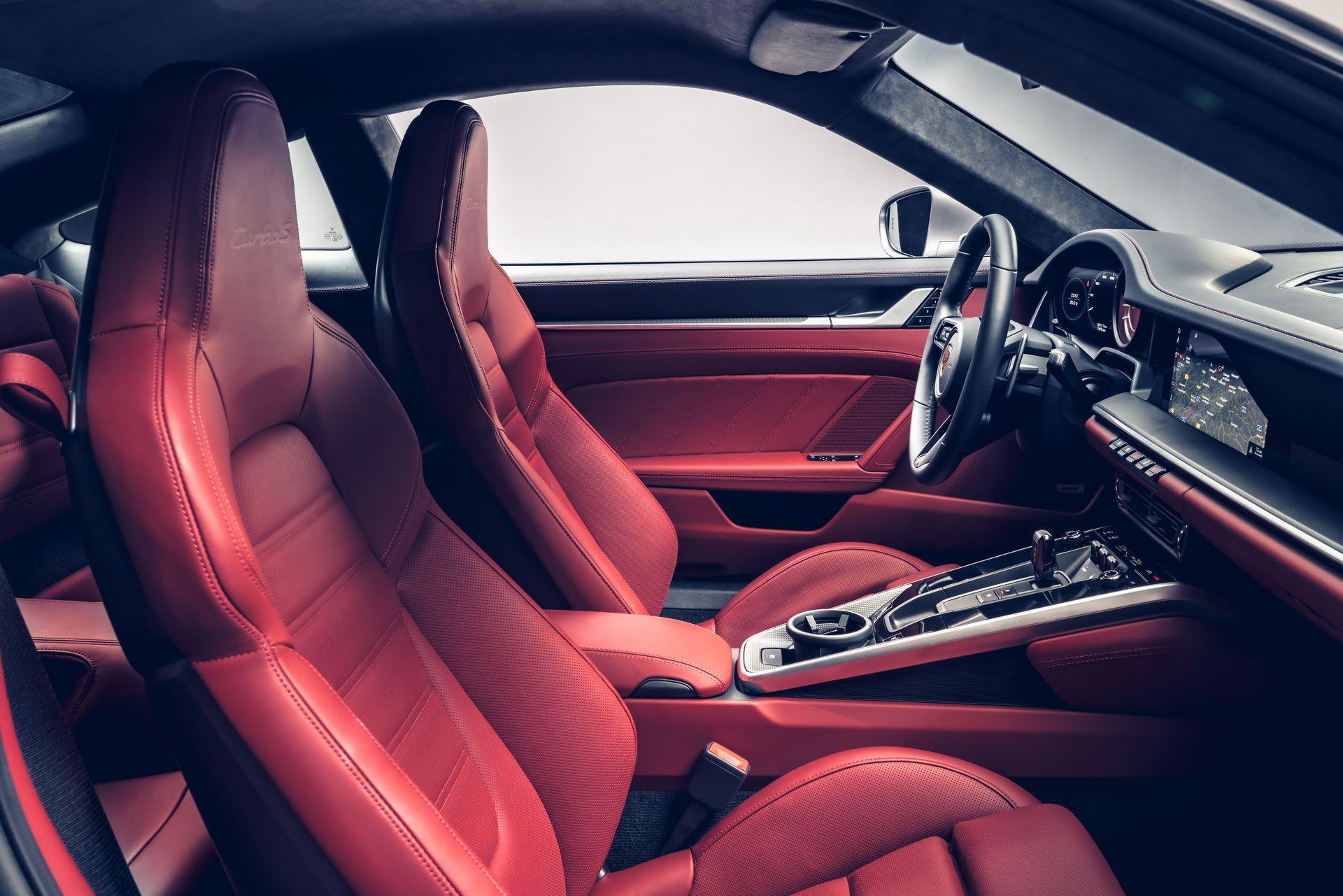 Porsche-911-Turbo-S-2020-26