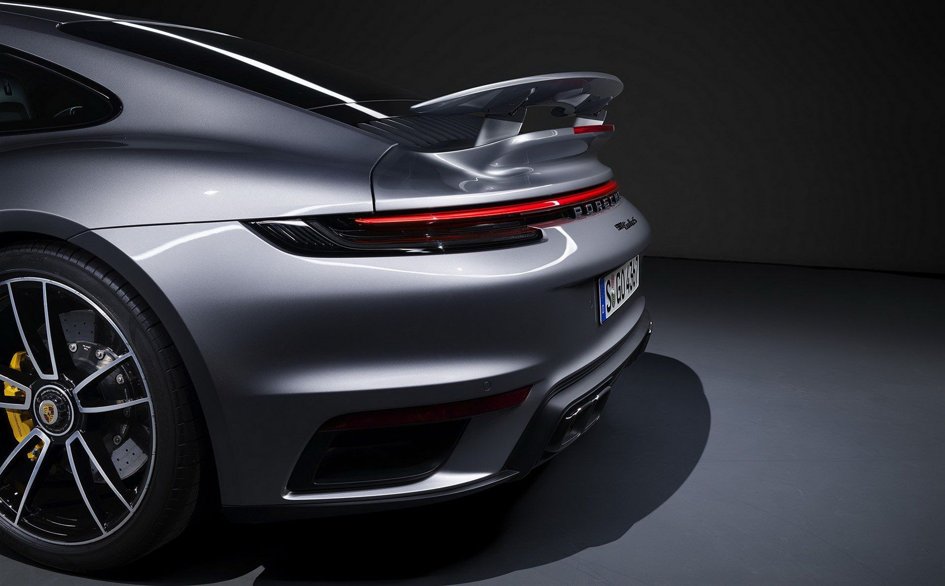 Porsche-911-Turbo-S-2020-35