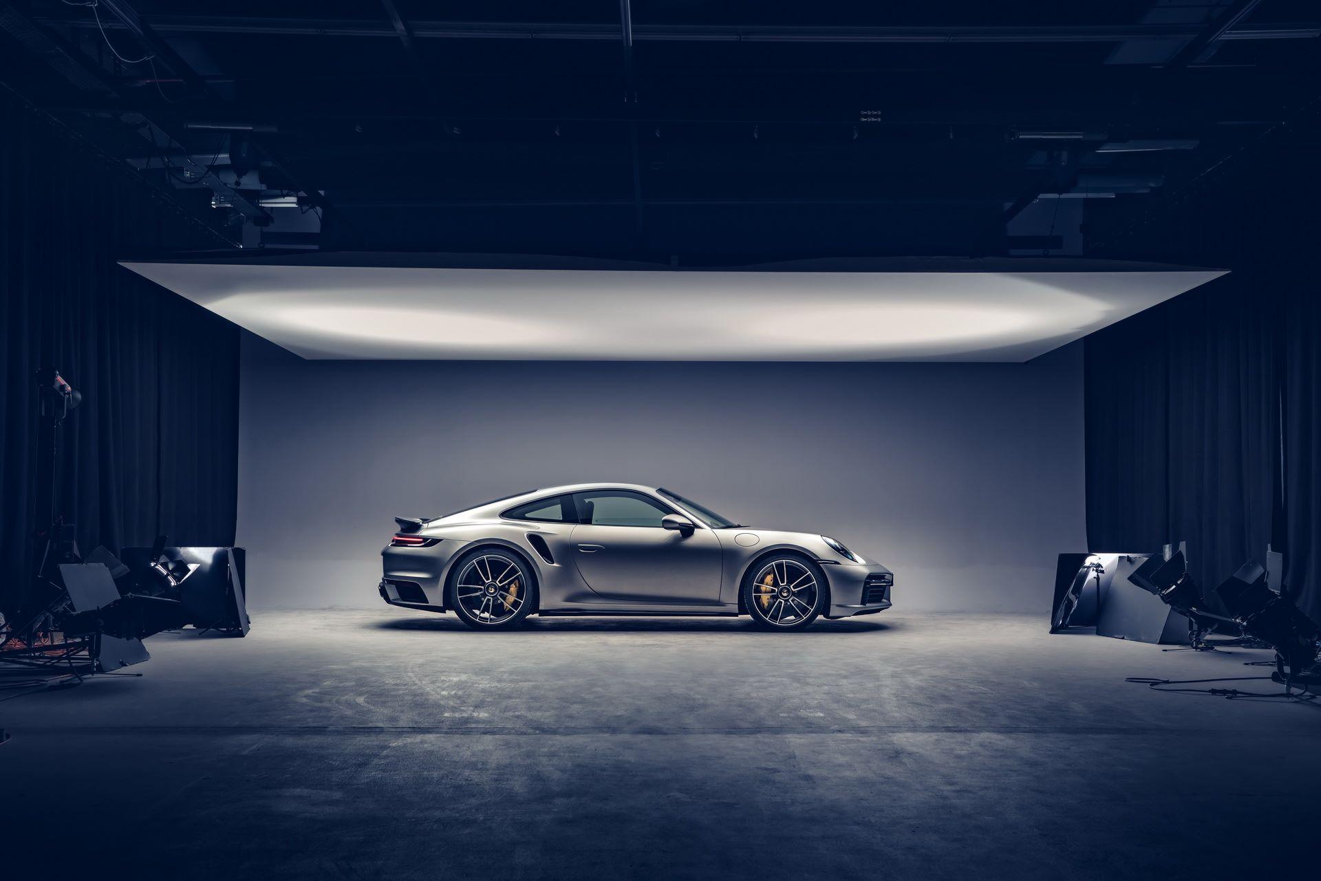 Porsche-911-Turbo-S-2020-7