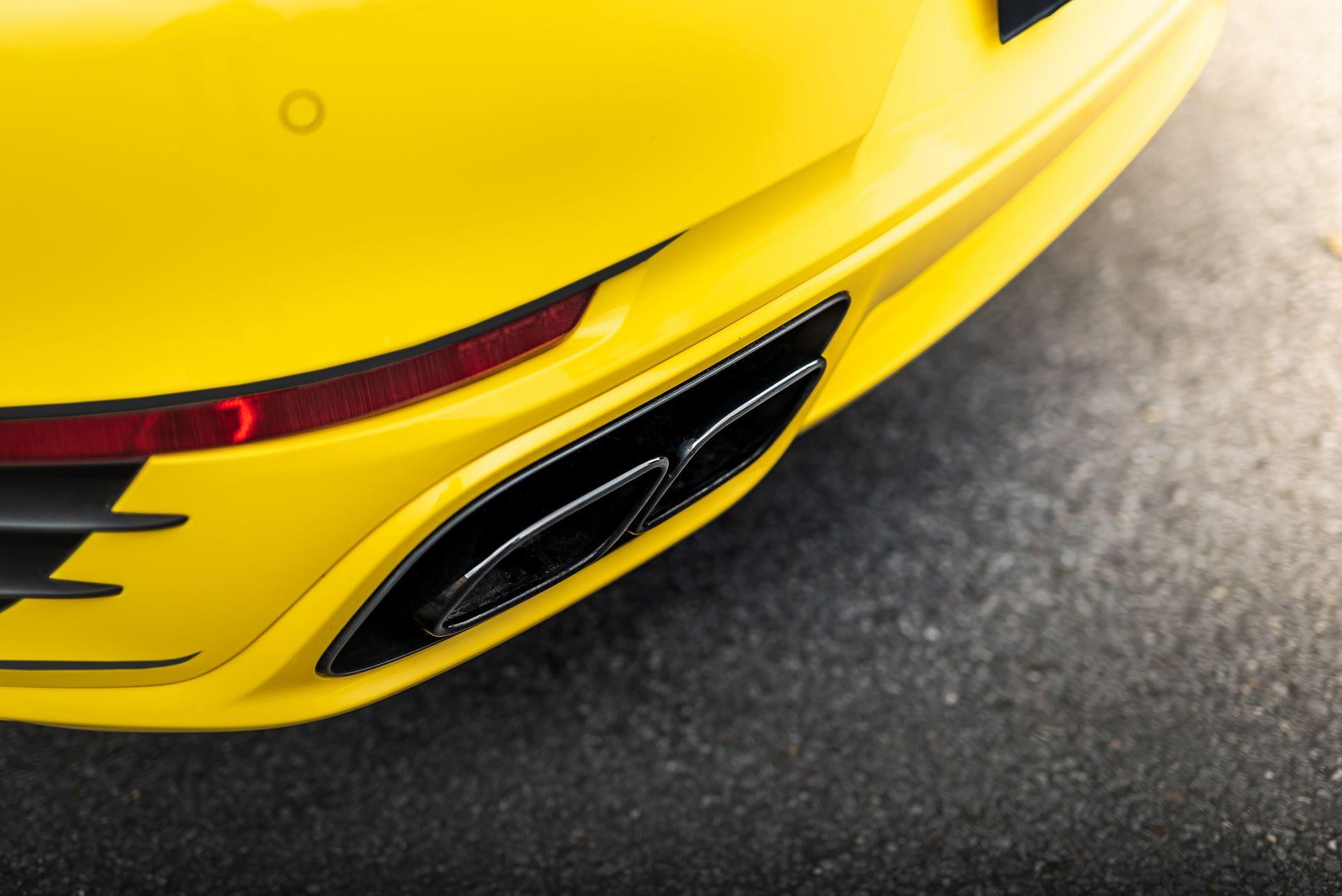 Porsche-911-Turbo-S-by-Manhart-10