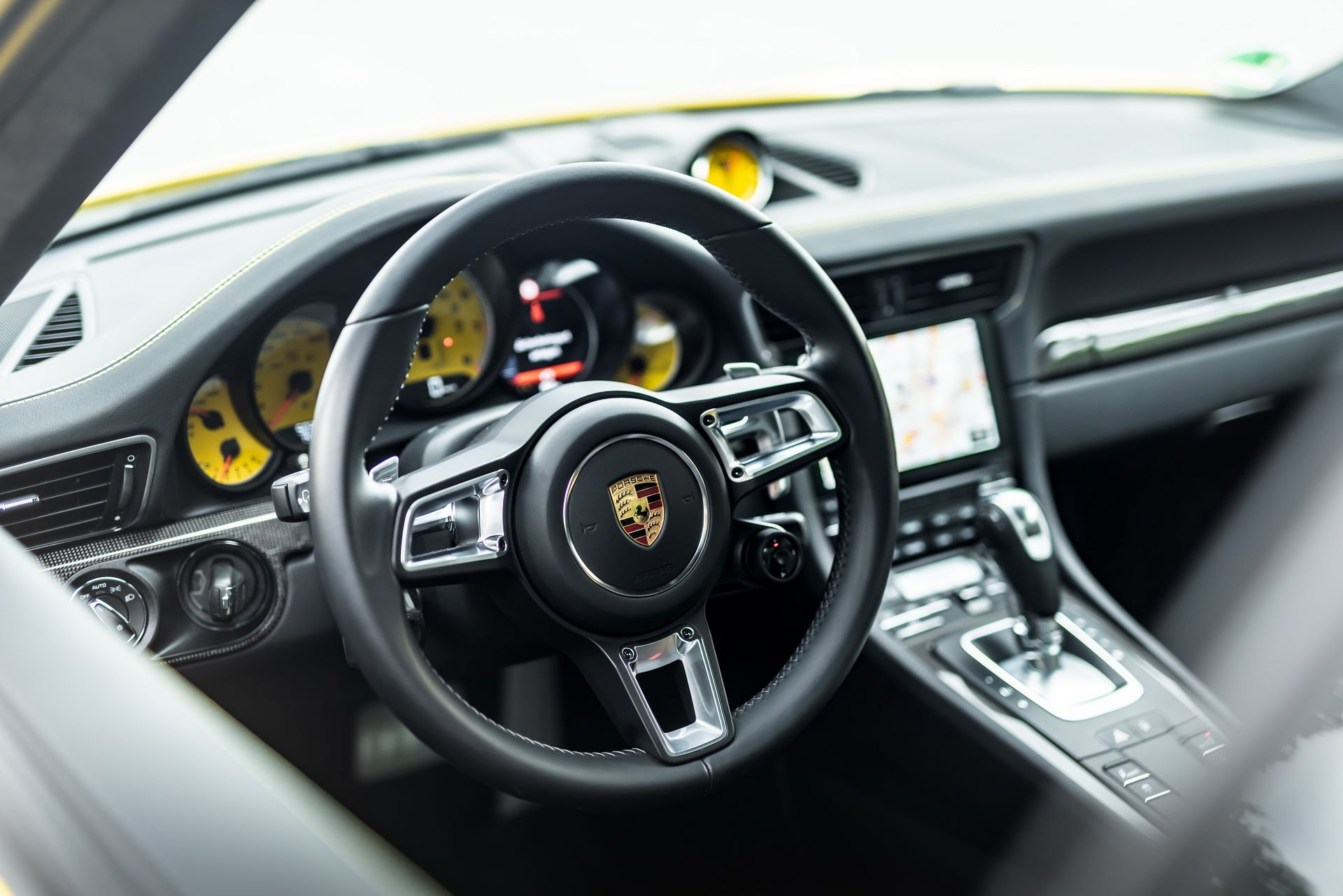 Porsche-911-Turbo-S-by-Manhart-17