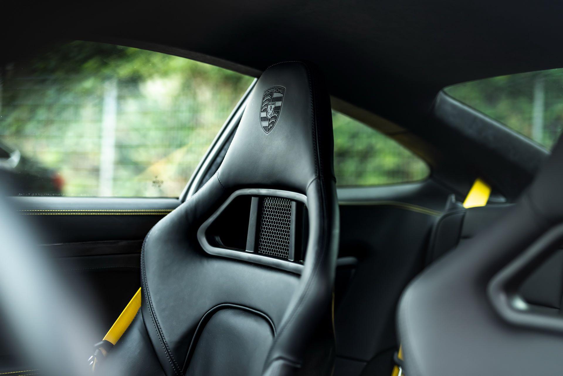 Porsche-911-Turbo-S-by-Manhart-18