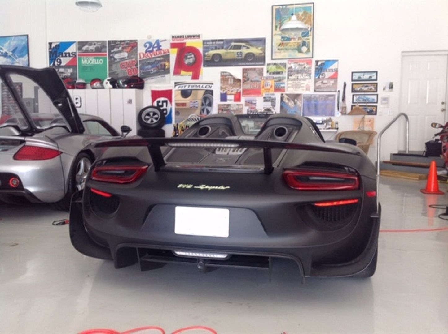 Porsche_918_Spyder_Martini_0004