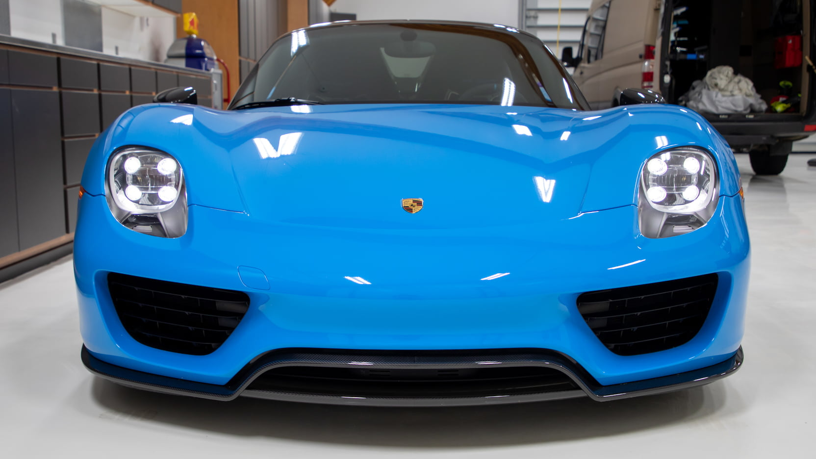 Porsche-918-Spyder-Riviera-Blue-auction-14