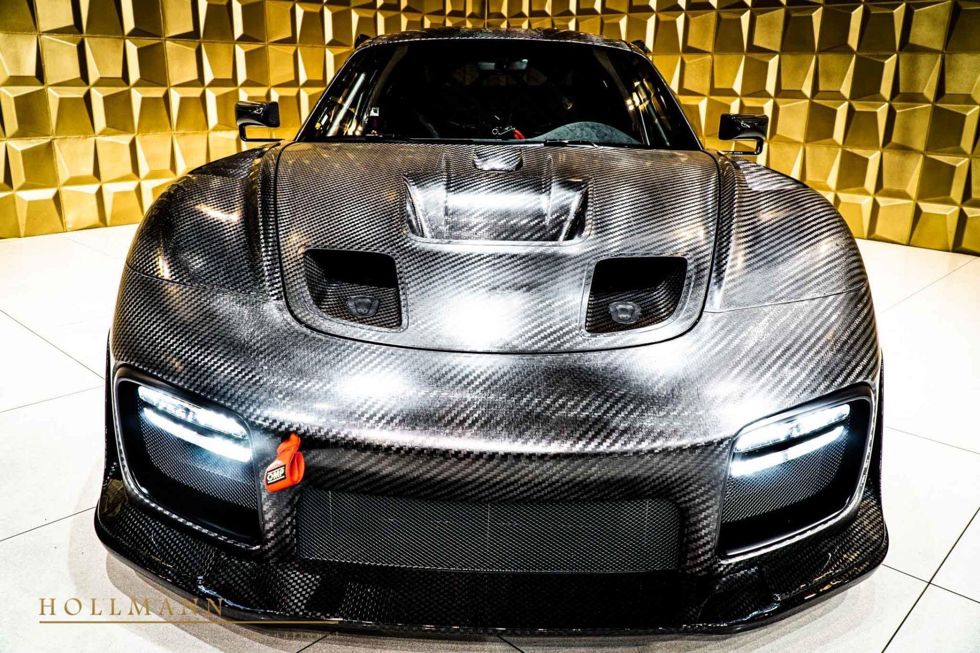 Porsche_935_naked_carbon_sale_0003