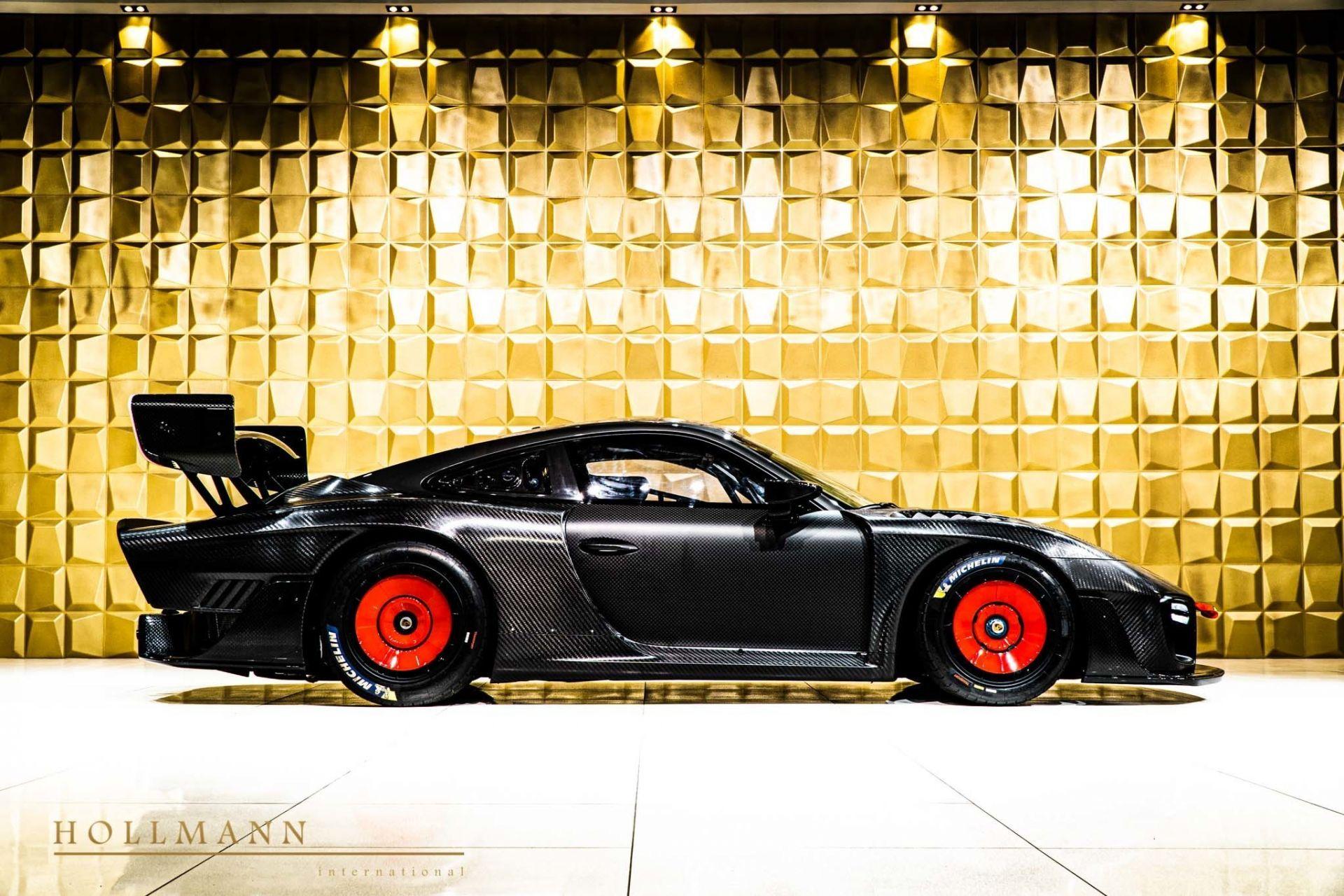 Porsche_935_naked_carbon_sale_0004