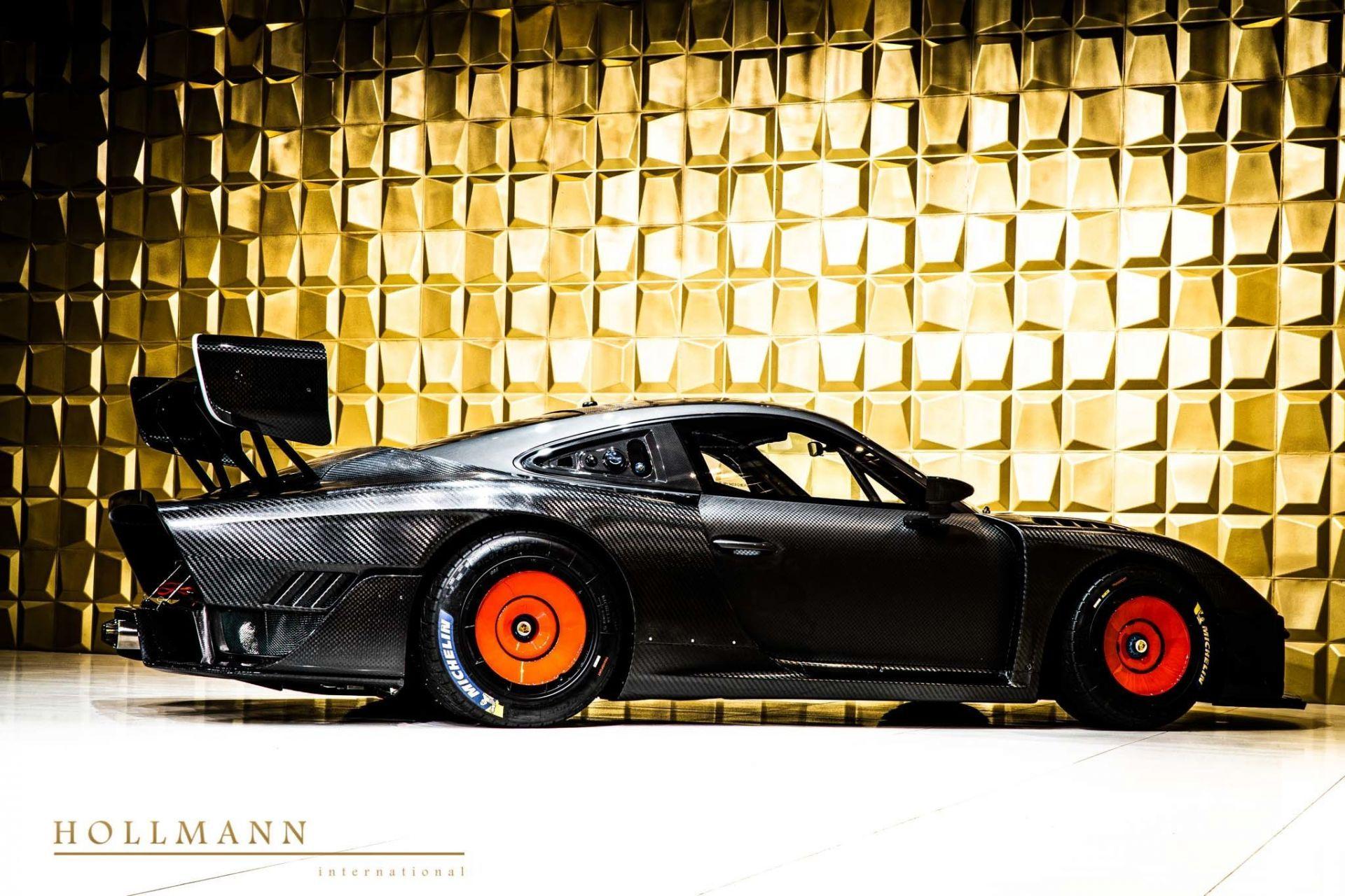 Porsche_935_naked_carbon_sale_0009