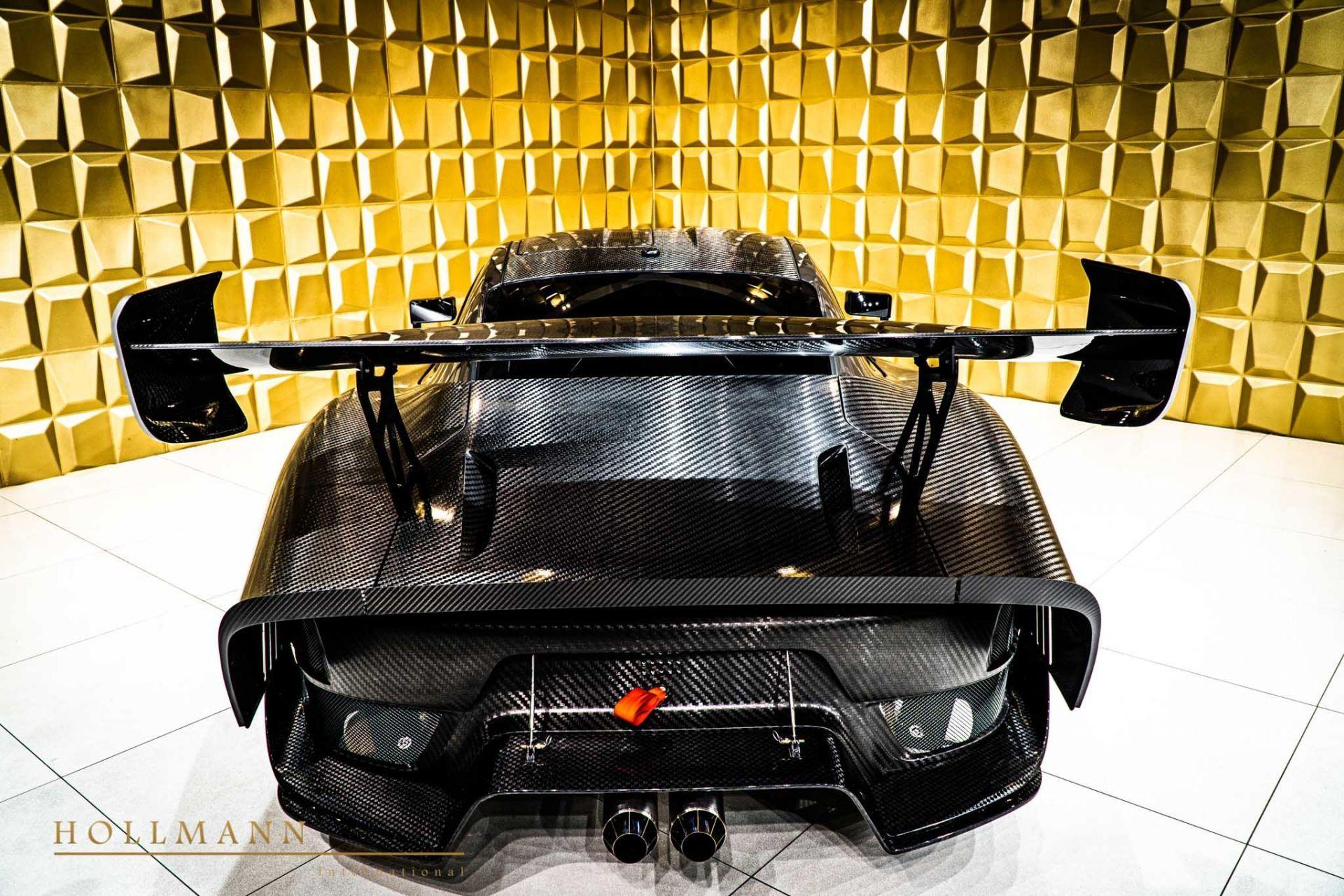 Porsche_935_naked_carbon_sale_0011