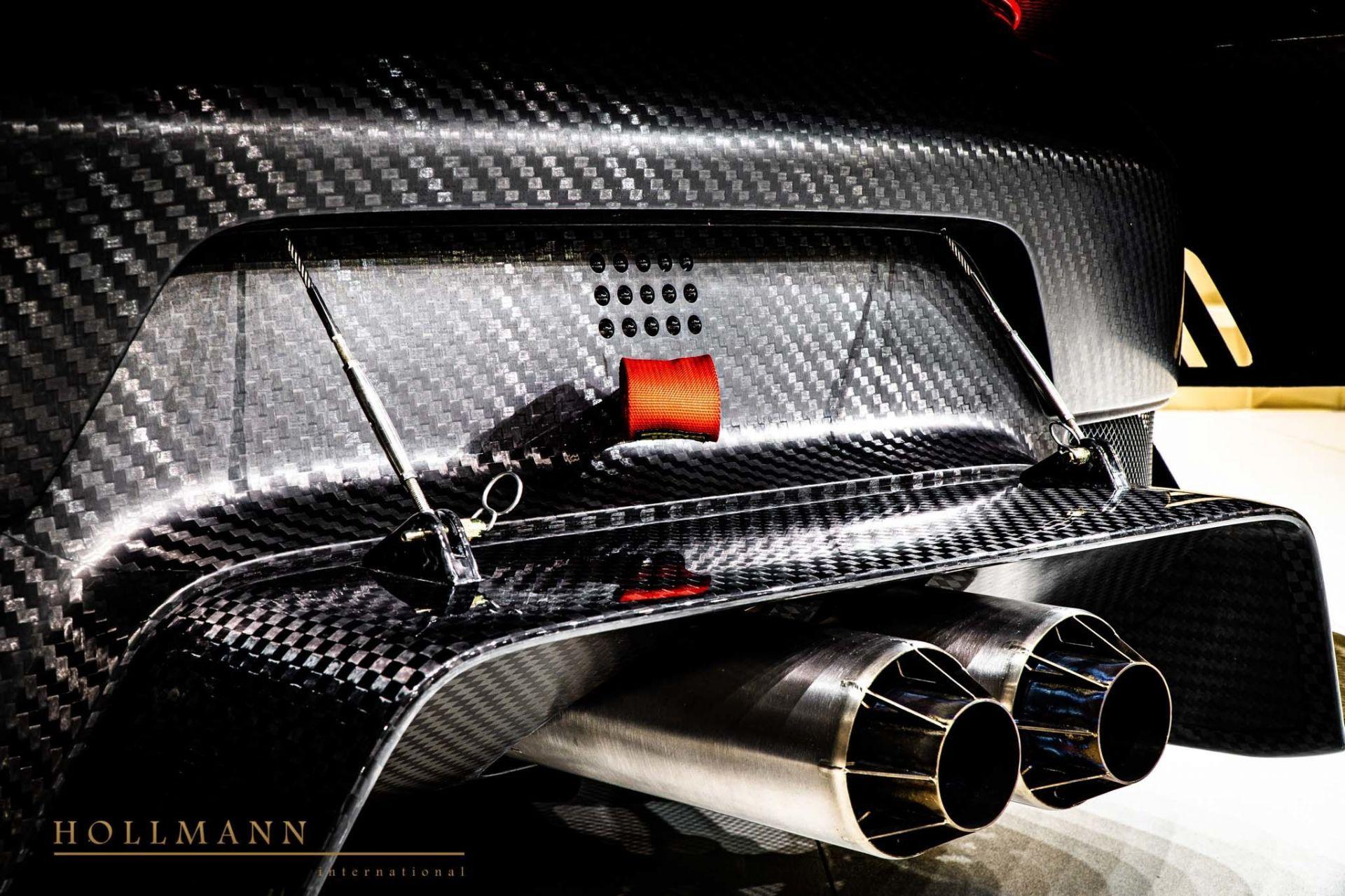 Porsche_935_naked_carbon_sale_0012