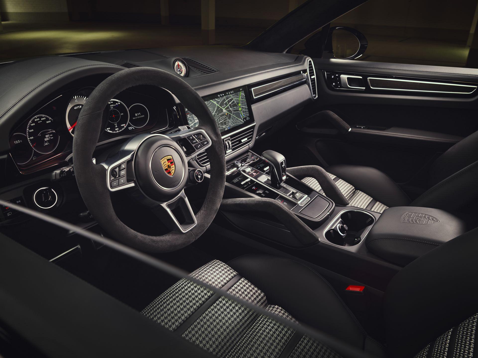 Porsche-Cayenne-GTS-and-Cayenne-GTS-Coupe-2021-14