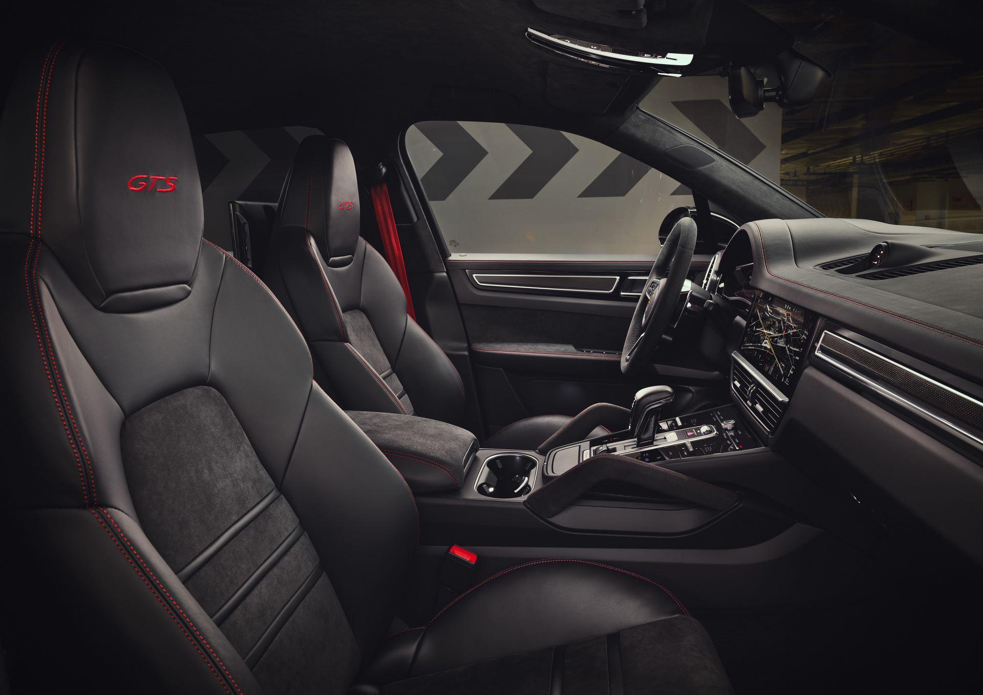 Porsche-Cayenne-GTS-and-Cayenne-GTS-Coupe-2021-20