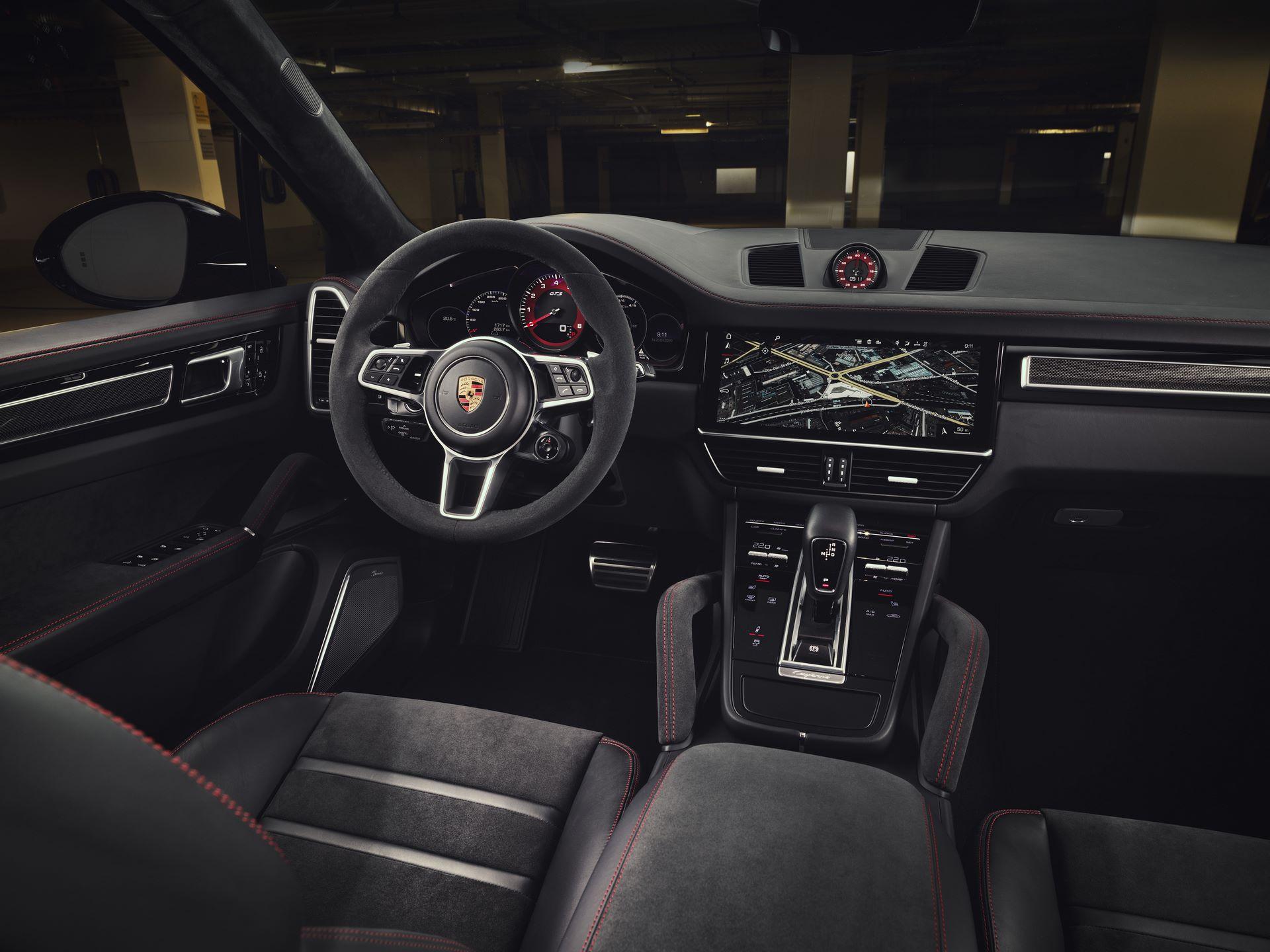Porsche-Cayenne-GTS-and-Cayenne-GTS-Coupe-2021-21