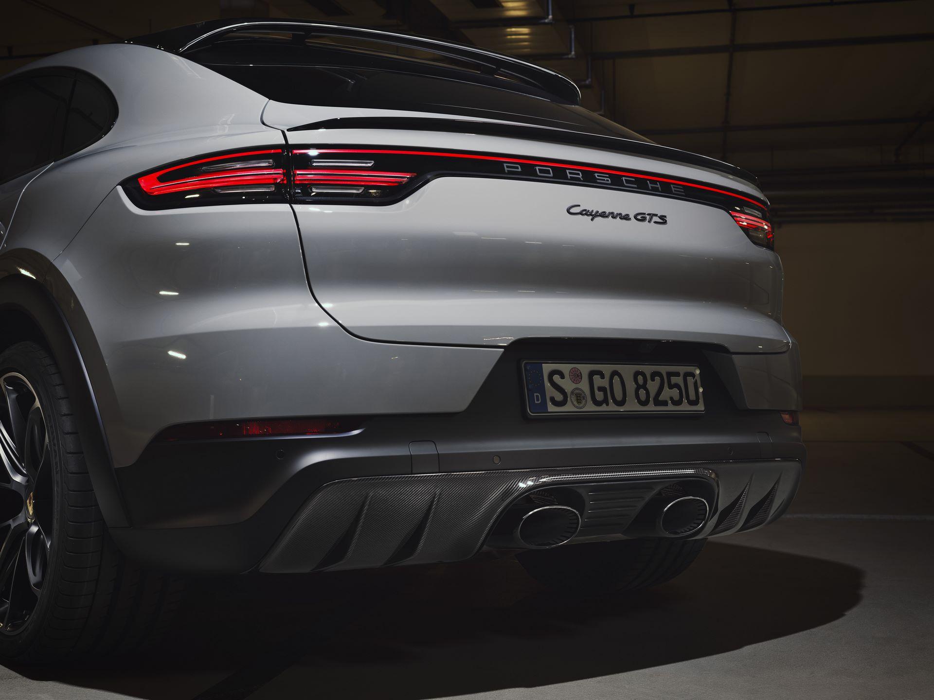 Porsche-Cayenne-GTS-and-Cayenne-GTS-Coupe-2021-6