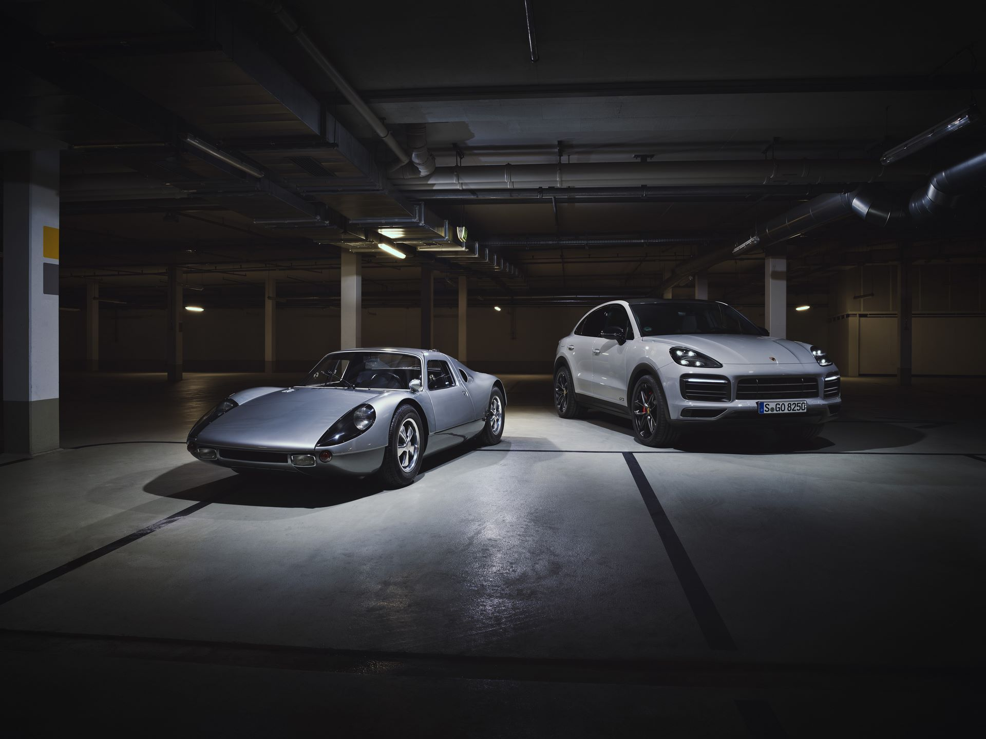 Porsche-Cayenne-GTS-and-Cayenne-GTS-Coupe-2021-8