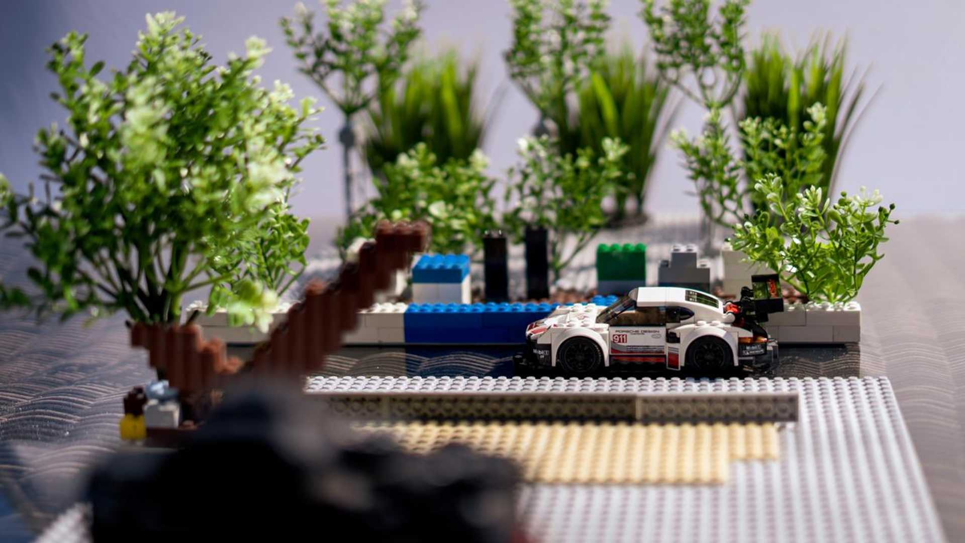 Porsche-Iconic-Moments-In-Lego-14