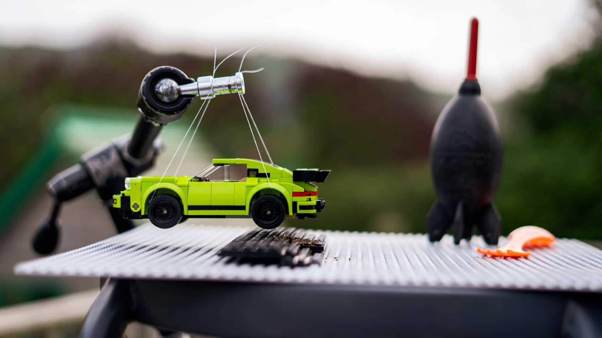 Porsche-Iconic-Moments-In-Lego-17