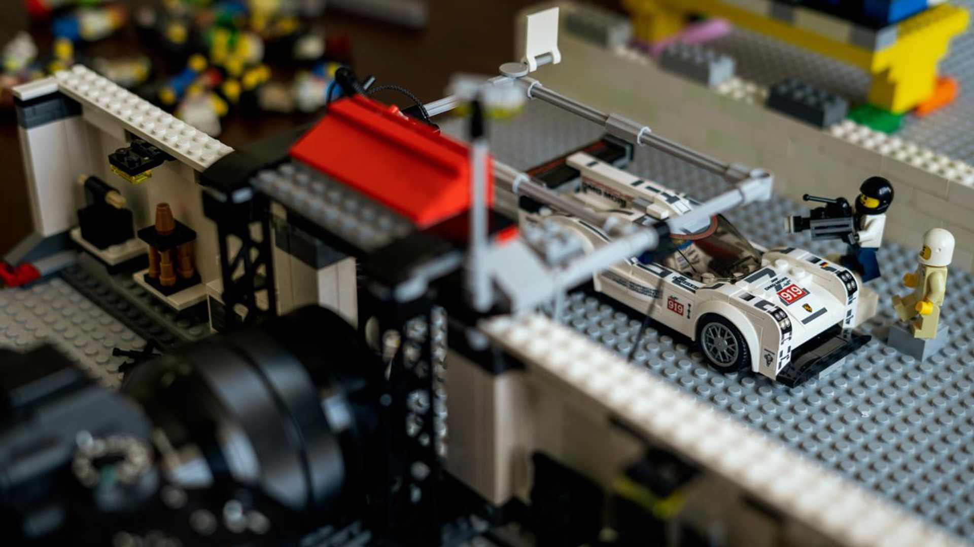 Porsche-Iconic-Moments-In-Lego-18