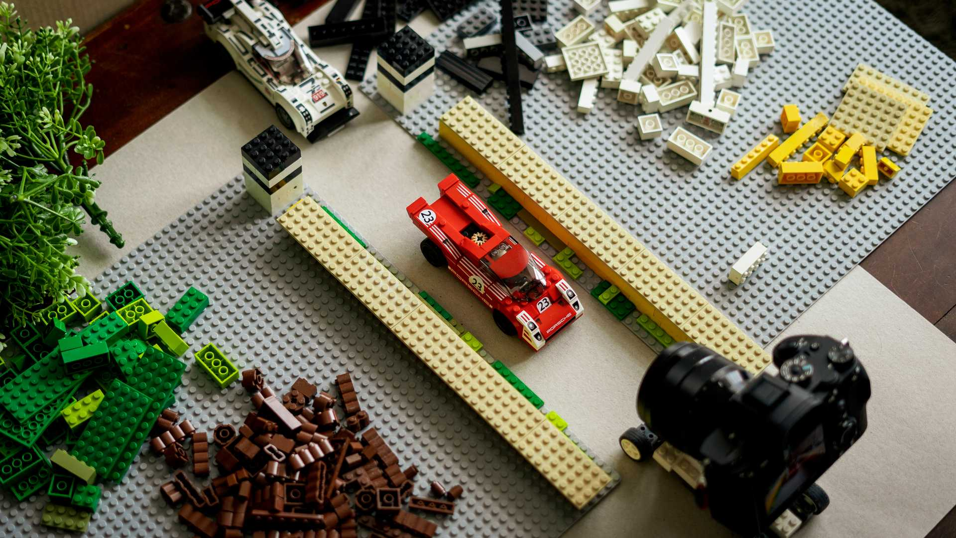 Porsche-Iconic-Moments-In-Lego-3