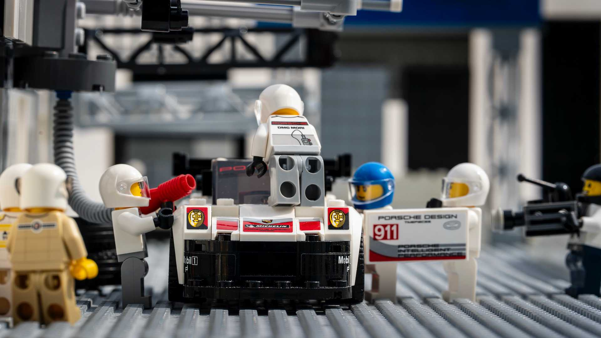 Porsche-Iconic-Moments-In-Lego-6