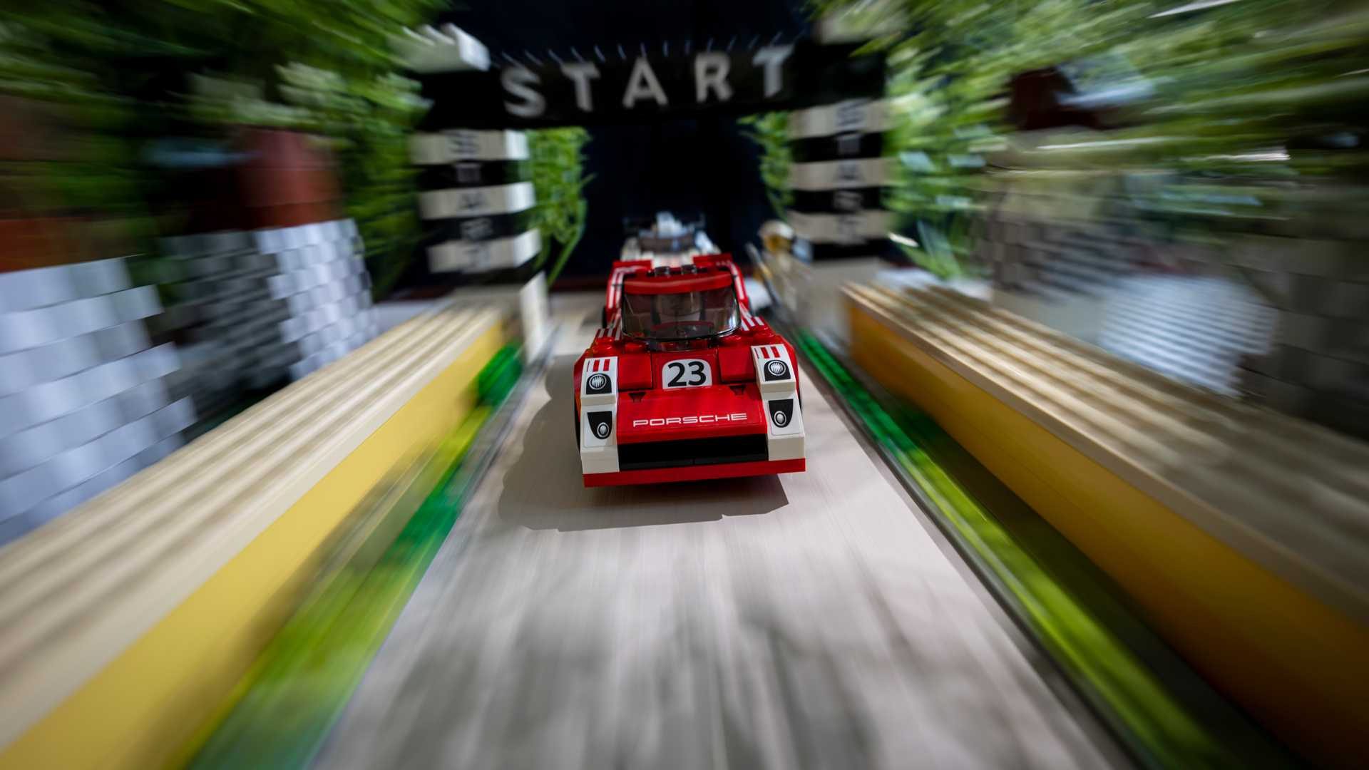 Porsche-Iconic-Moments-In-Lego-7