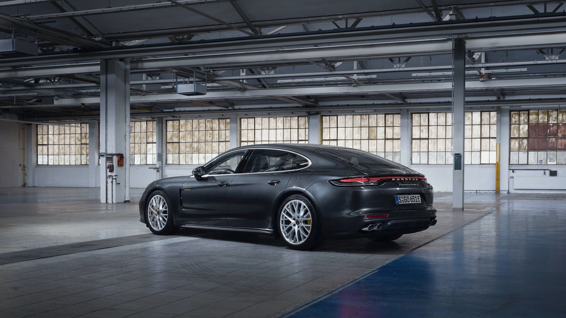 Porsche-Panamera-Turbo-S-E-Hybrid-4-E-Hybrid-and-4S-2021-11