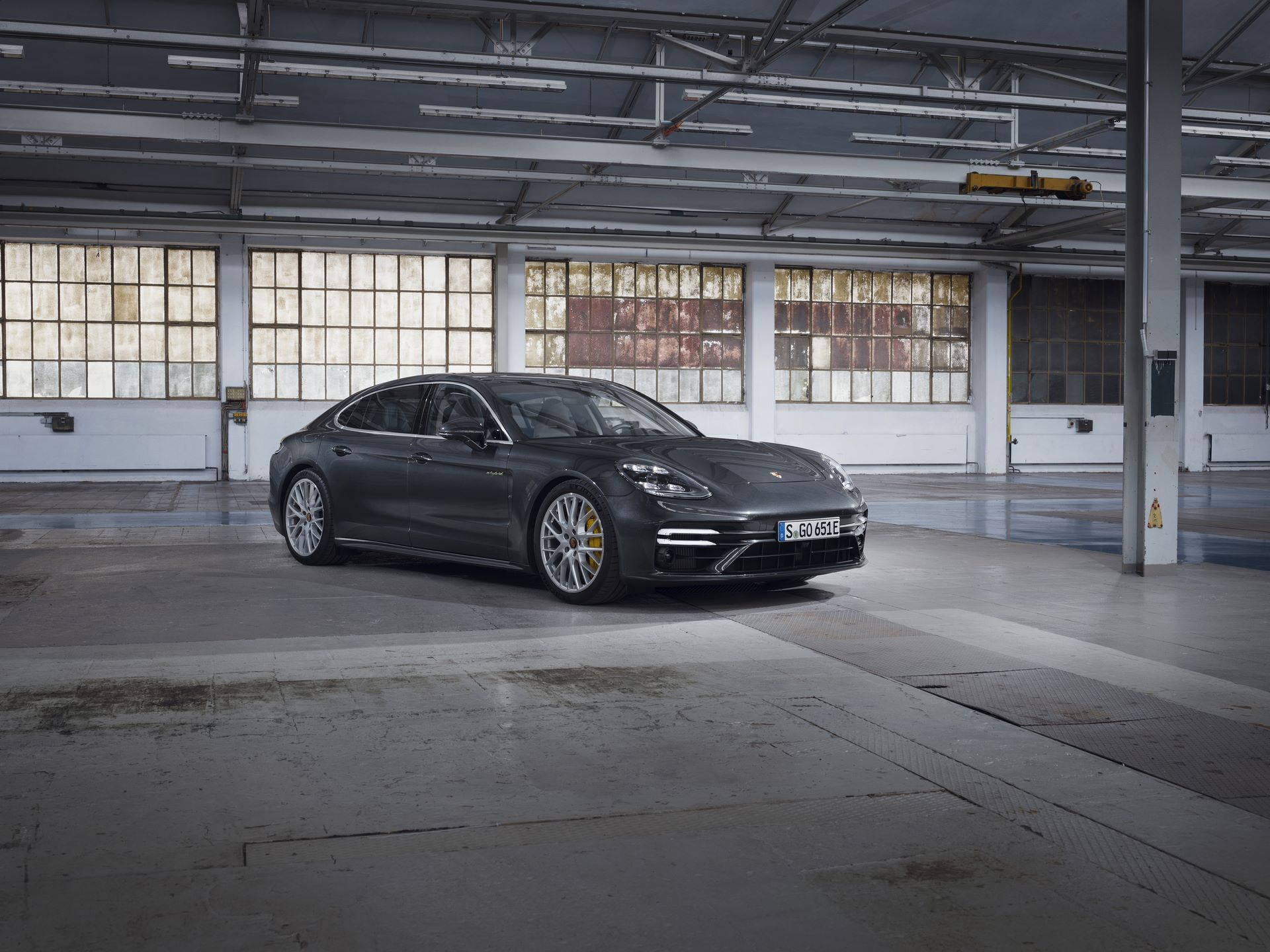 Porsche-Panamera-Turbo-S-E-Hybrid-4-E-Hybrid-and-4S-2021-9