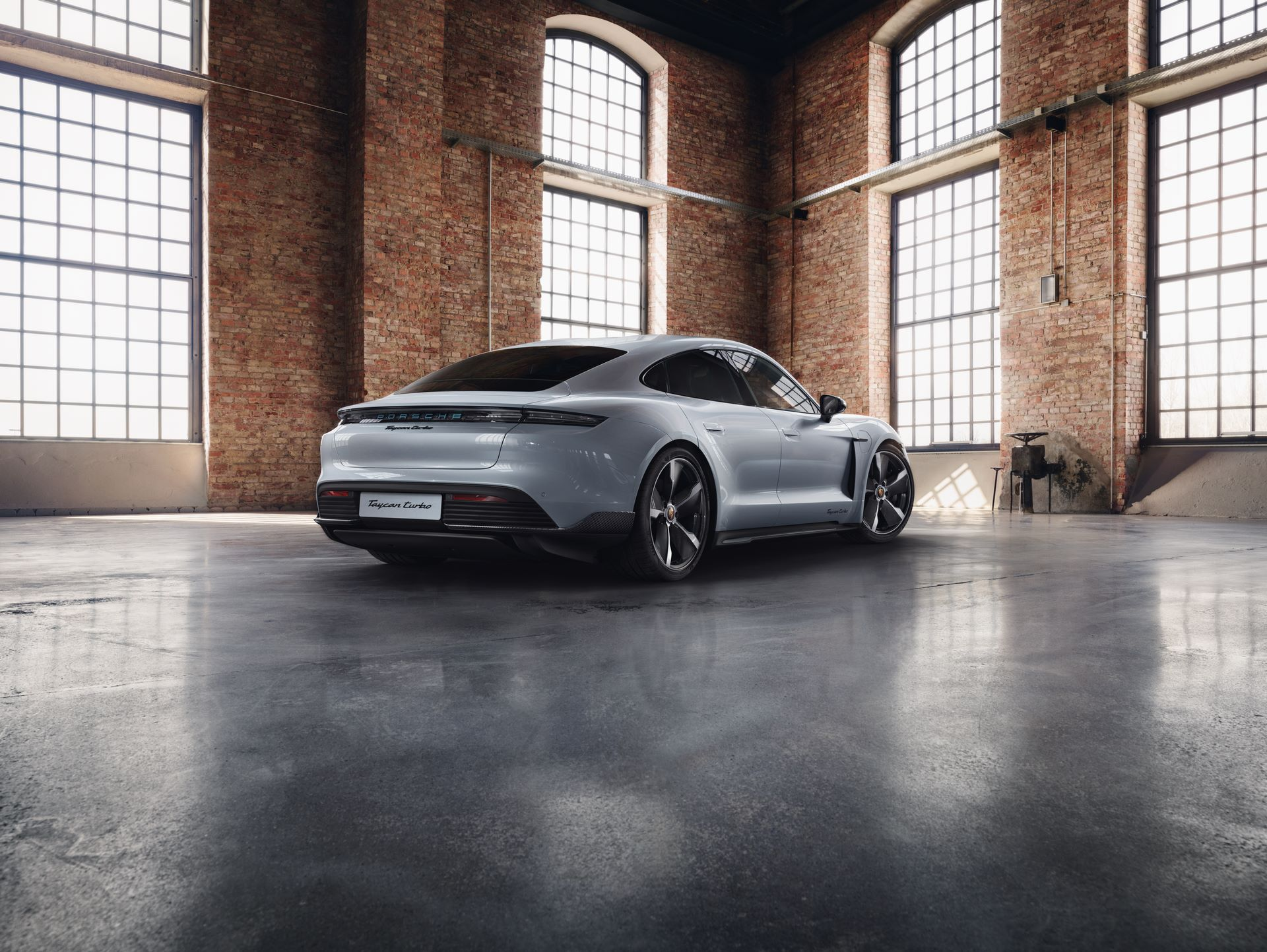 Porsche-Taycan-by-Porsche-Exclusive-Manufaktur-2
