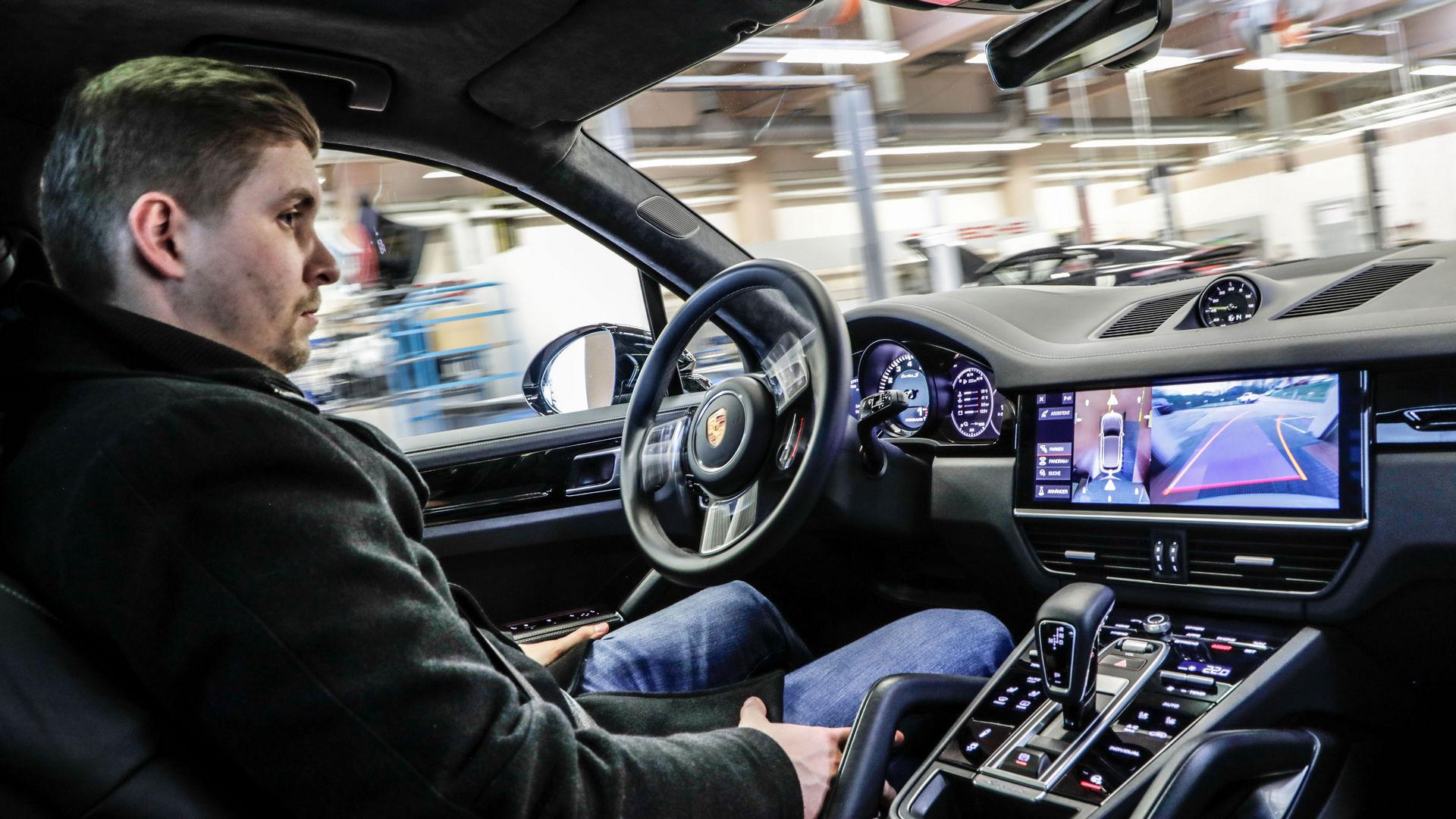 Porsche-Autonomous-10