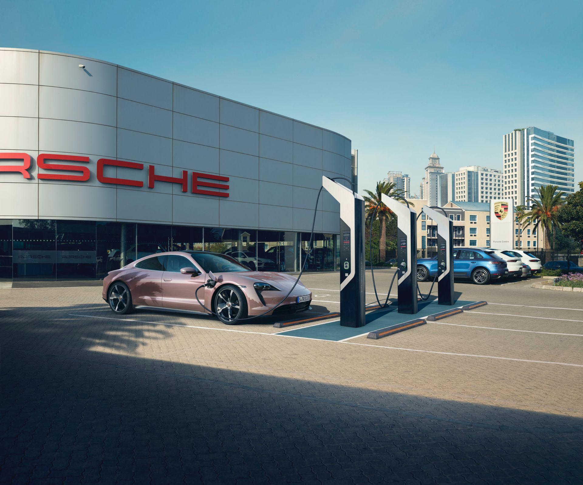 Porsche-Taycan-RWD-Base-5