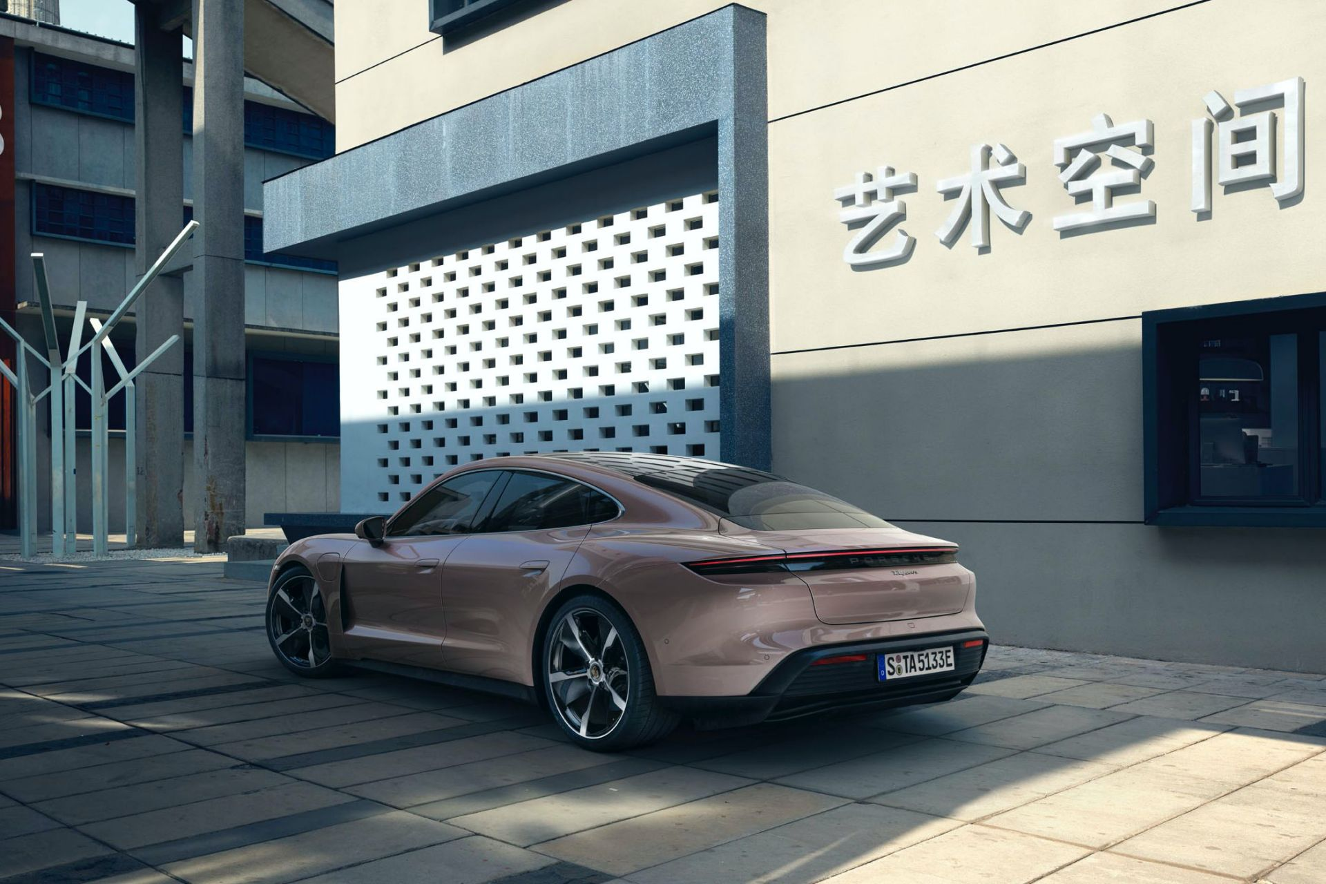 Porsche-Taycan-RWD-Base-6