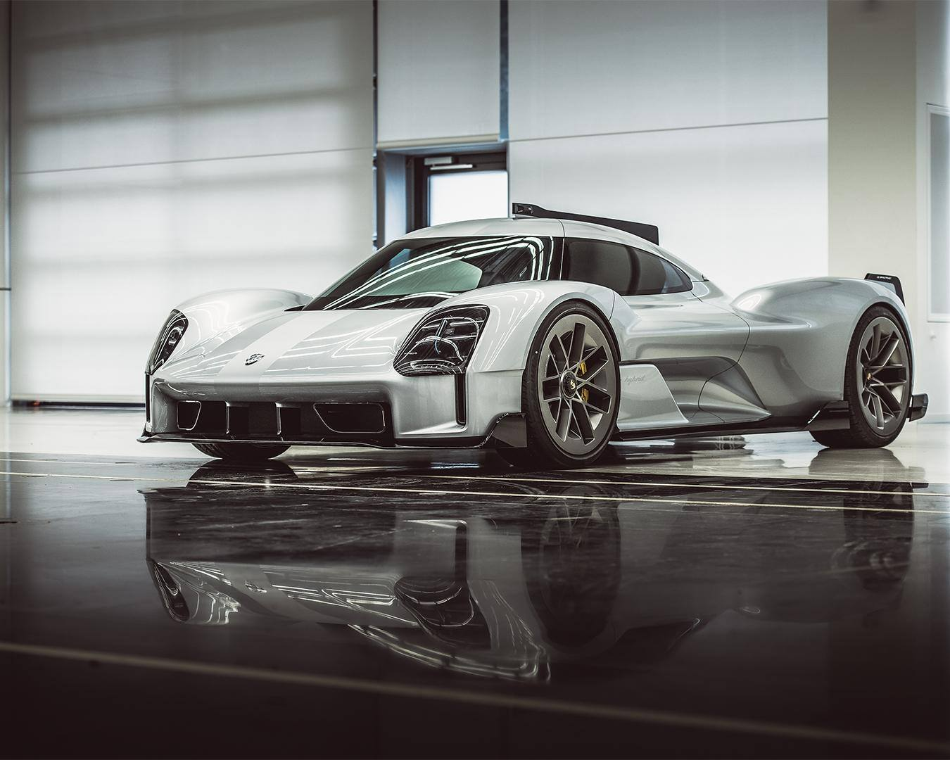 Porsche-919-Street-4
